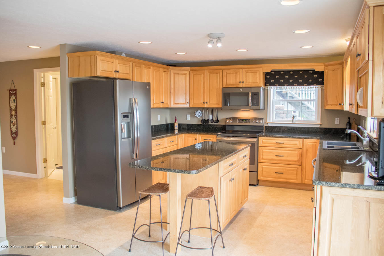 5910 Hickory Hill Dr - Kitchen - 12