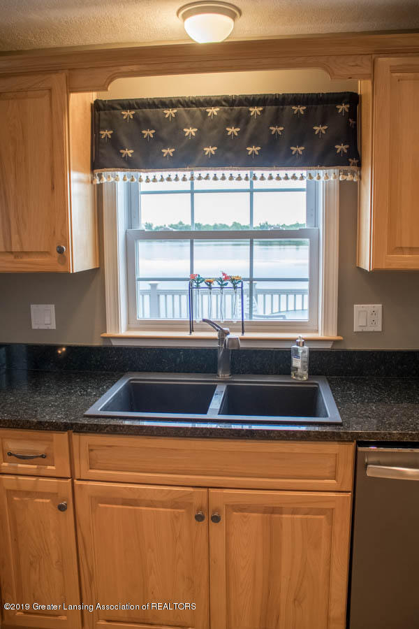 5910 Hickory Hill Dr - Kitchen - 13