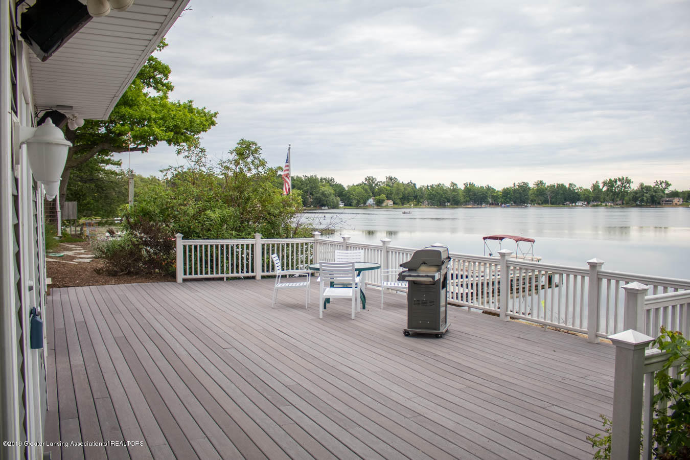 5910 Hickory Hill Dr - Deck - 16