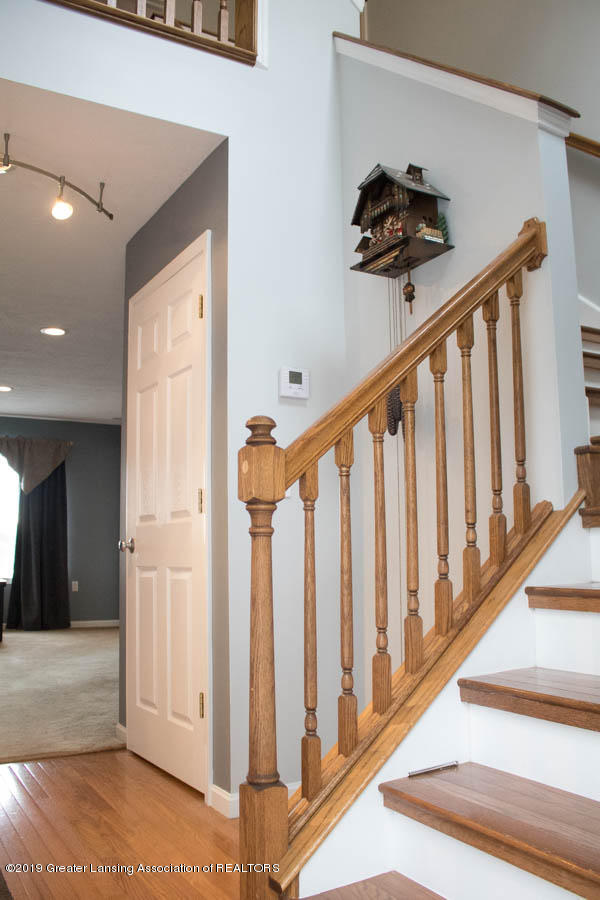 5910 Hickory Hill Dr - Foyer - 35