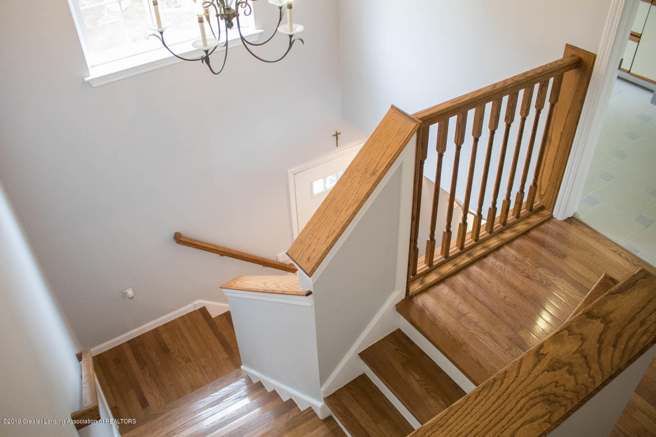 5910 Hickory Hill Dr - Stairway - 32