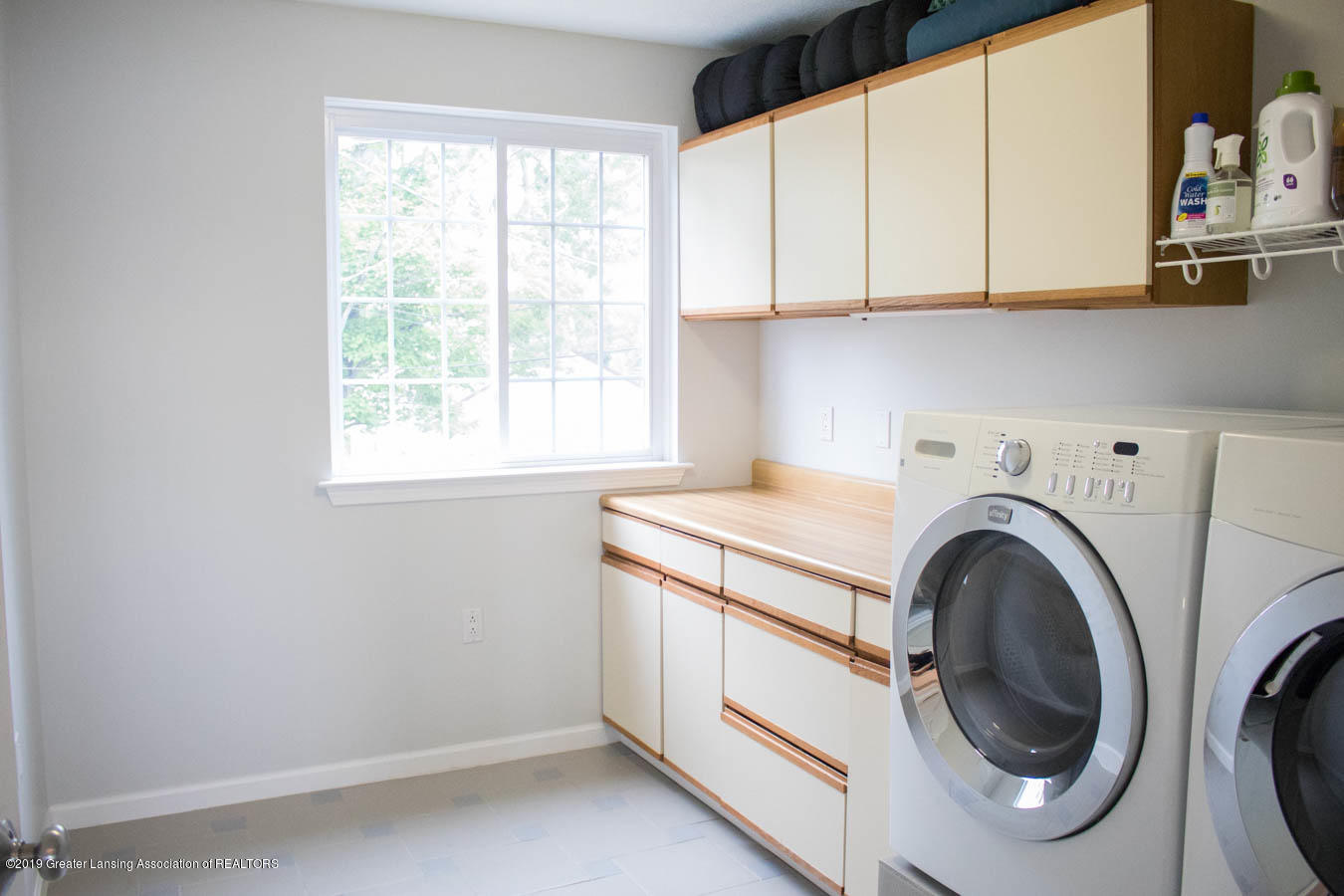 5910 Hickory Hill Dr - Laundry Room - 30