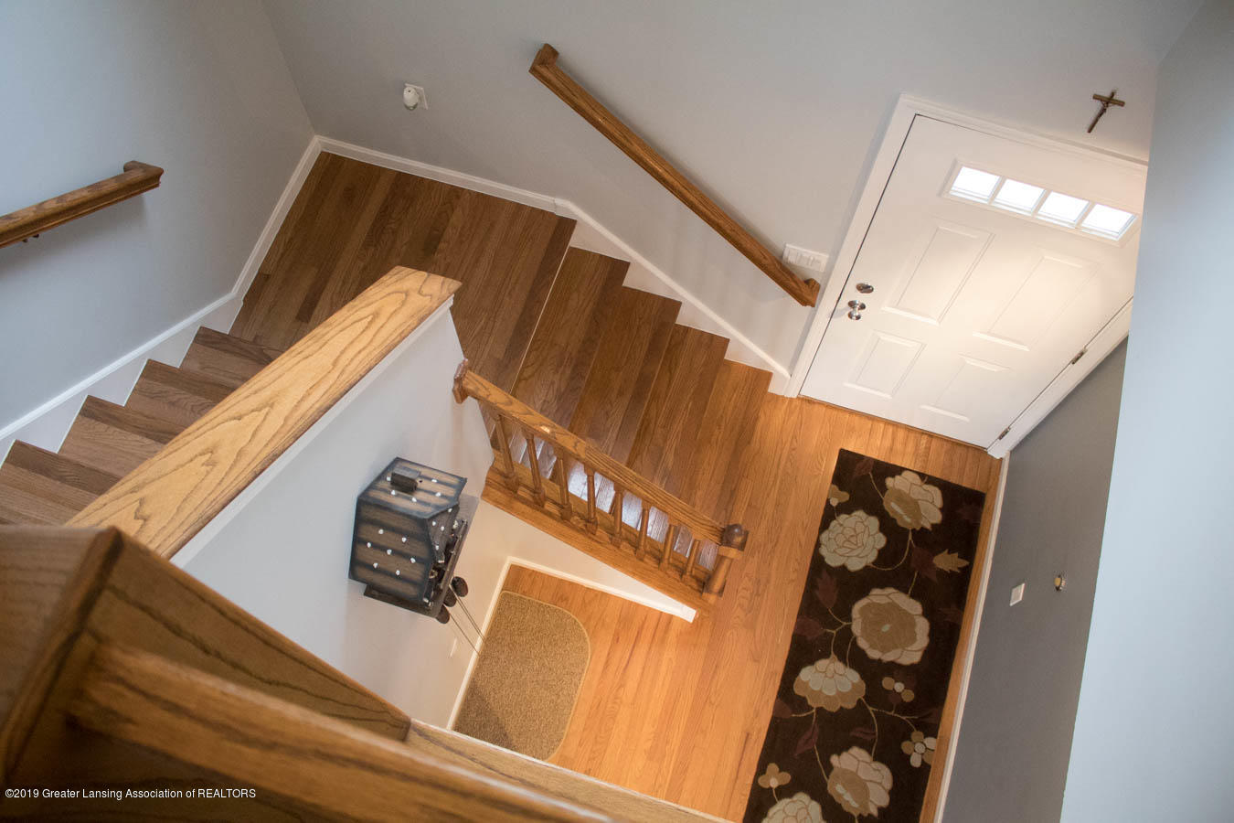 5910 Hickory Hill Dr - Stairway - 33