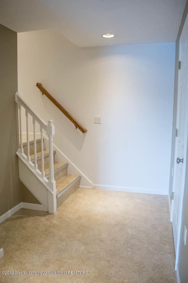 5910 Hickory Hill Dr - Stairway to 2nd Floor - 18