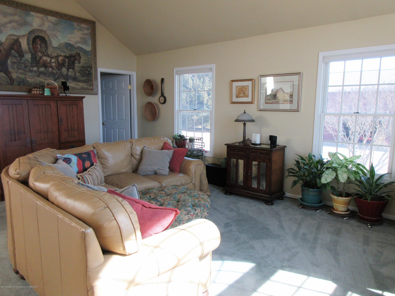2080 Haslett Rd - family room - 9