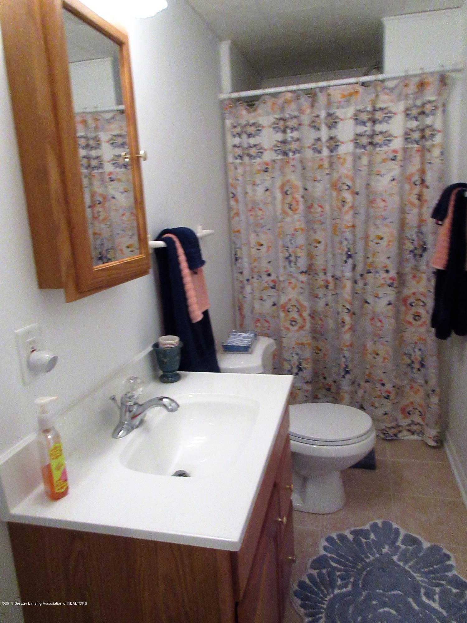 2080 Haslett Rd - 3rd bath - 25