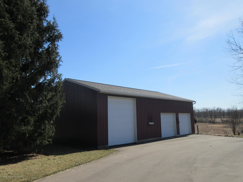 2080 Haslett Rd - 3 stall pole barn - 27