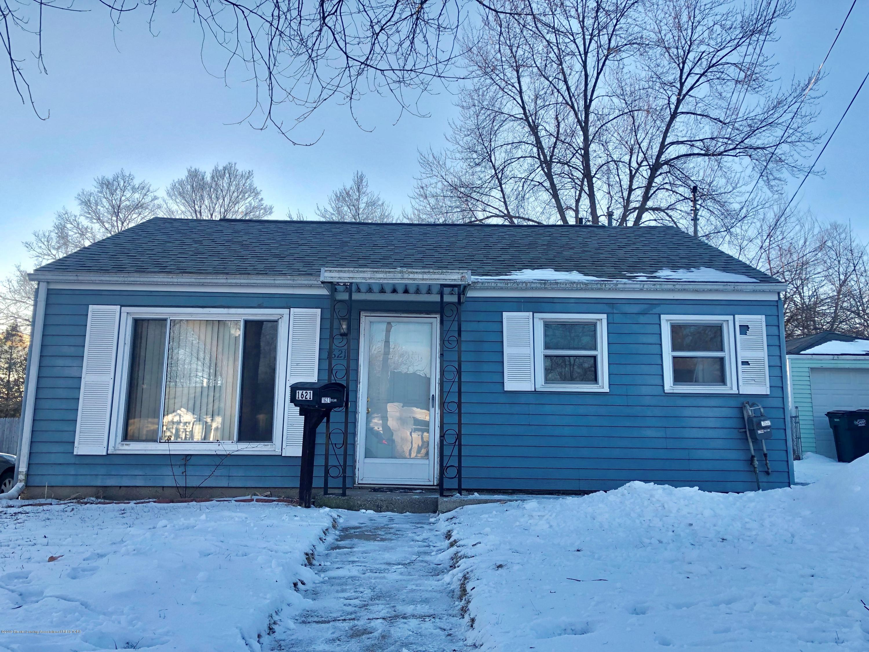 1621 Roselawn Ave - front of house - 1