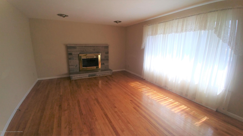 1204 Eastlane St - Living Room - 7