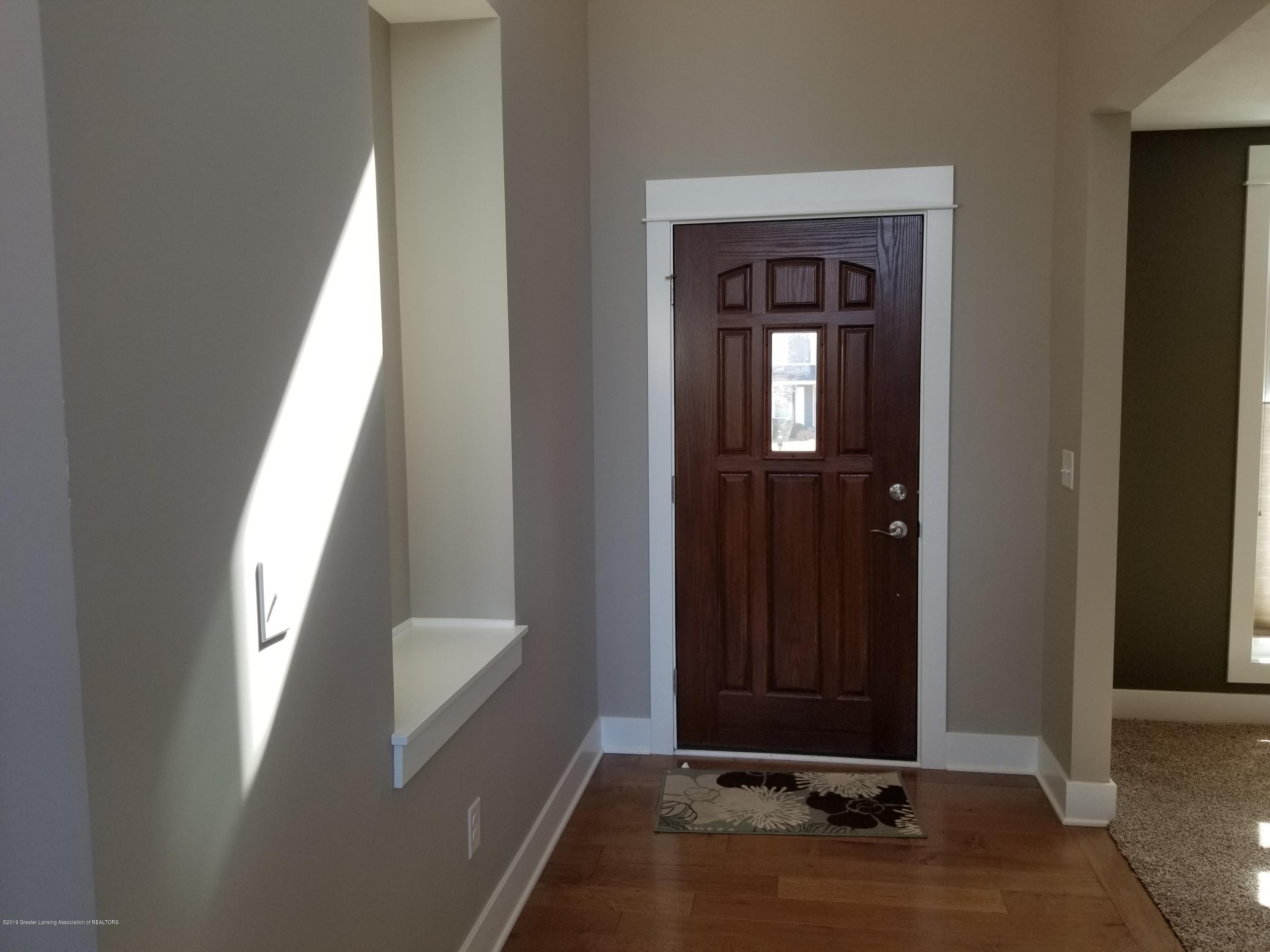 1490 Wellman Rd - Foyer - 9