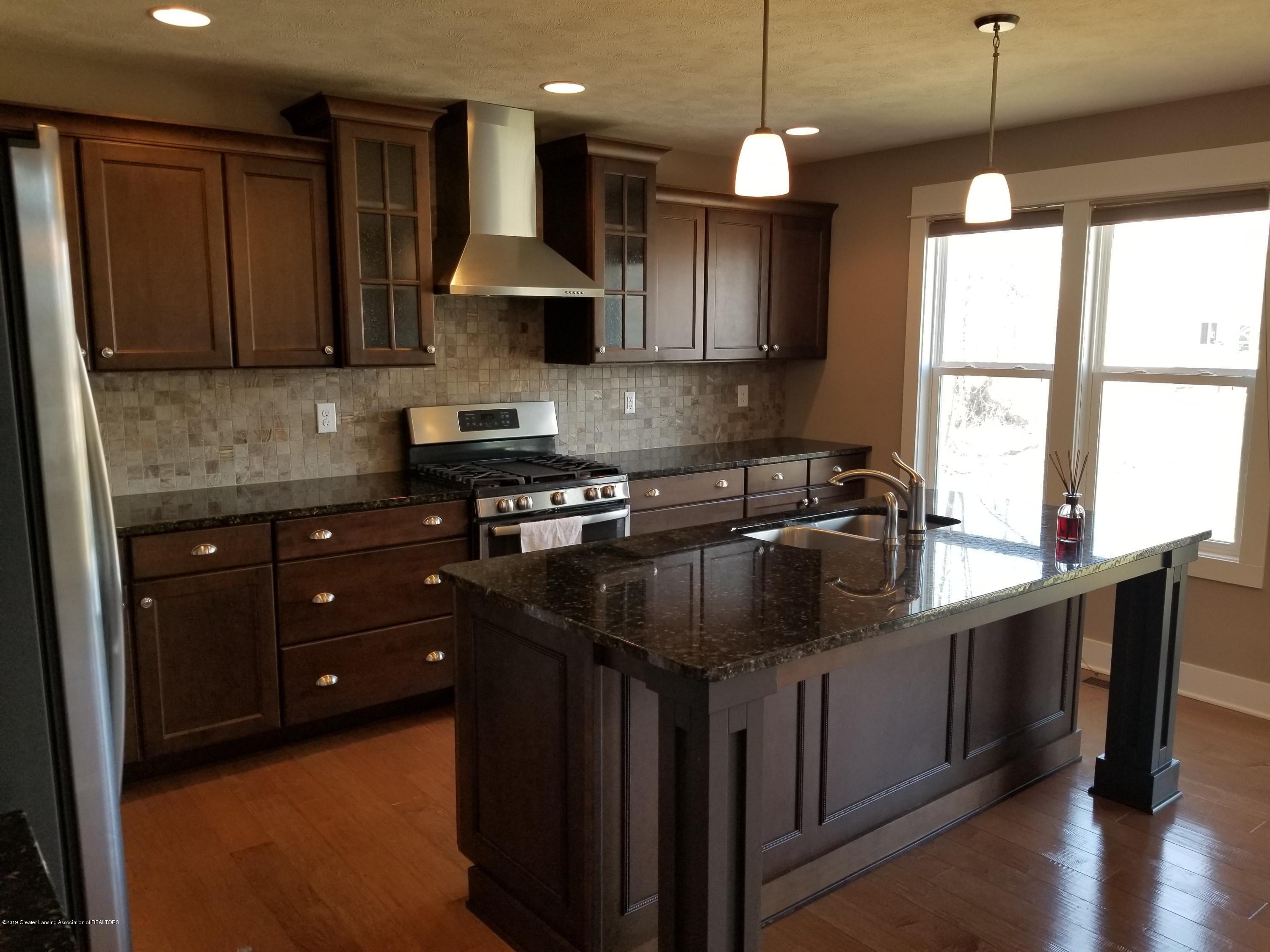 1490 Wellman Rd - Open kitchen - 17