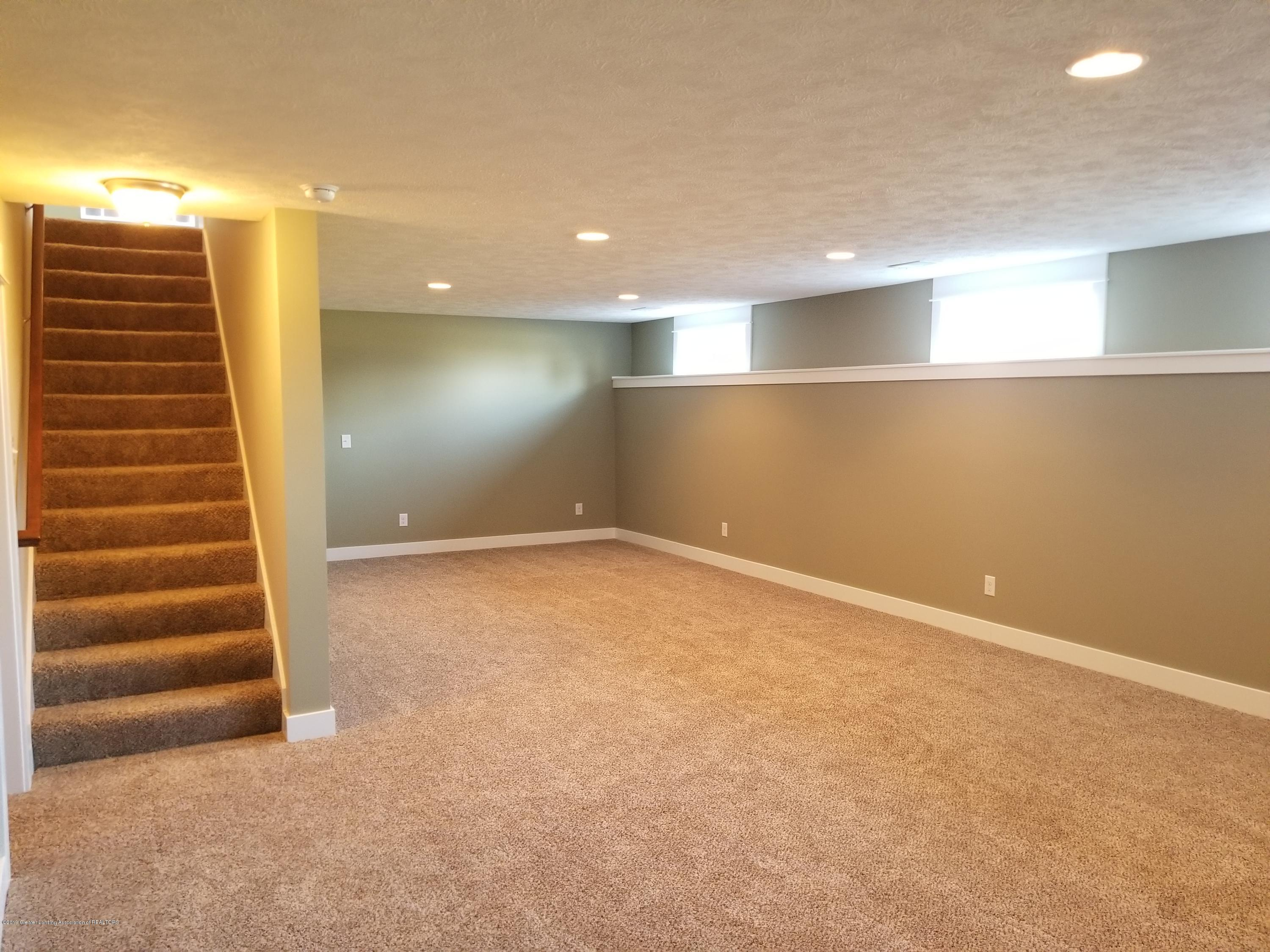 1490 Wellman Rd - Family Rm Lower - 27