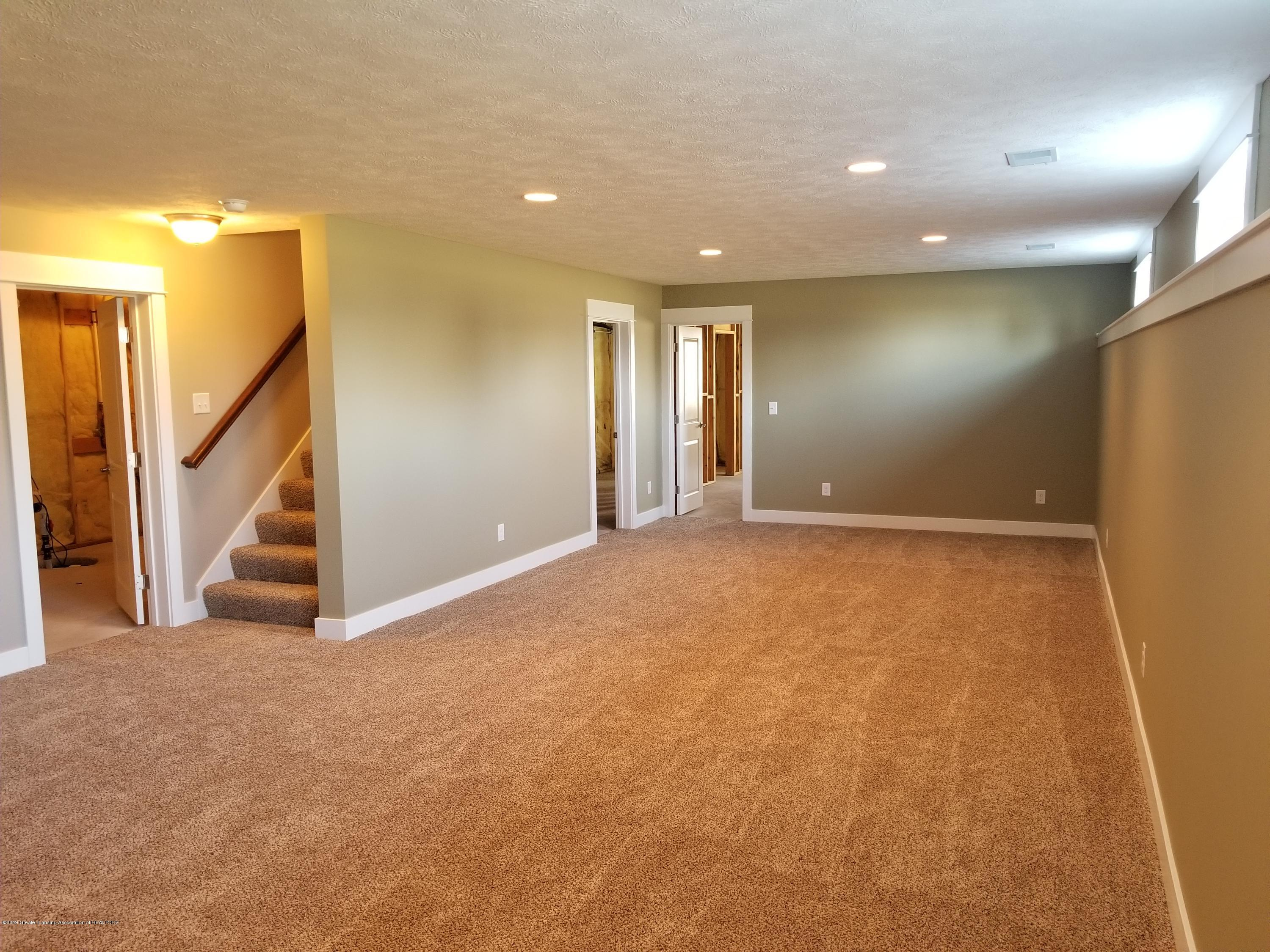 1490 Wellman Rd - Family Room Lower - 28