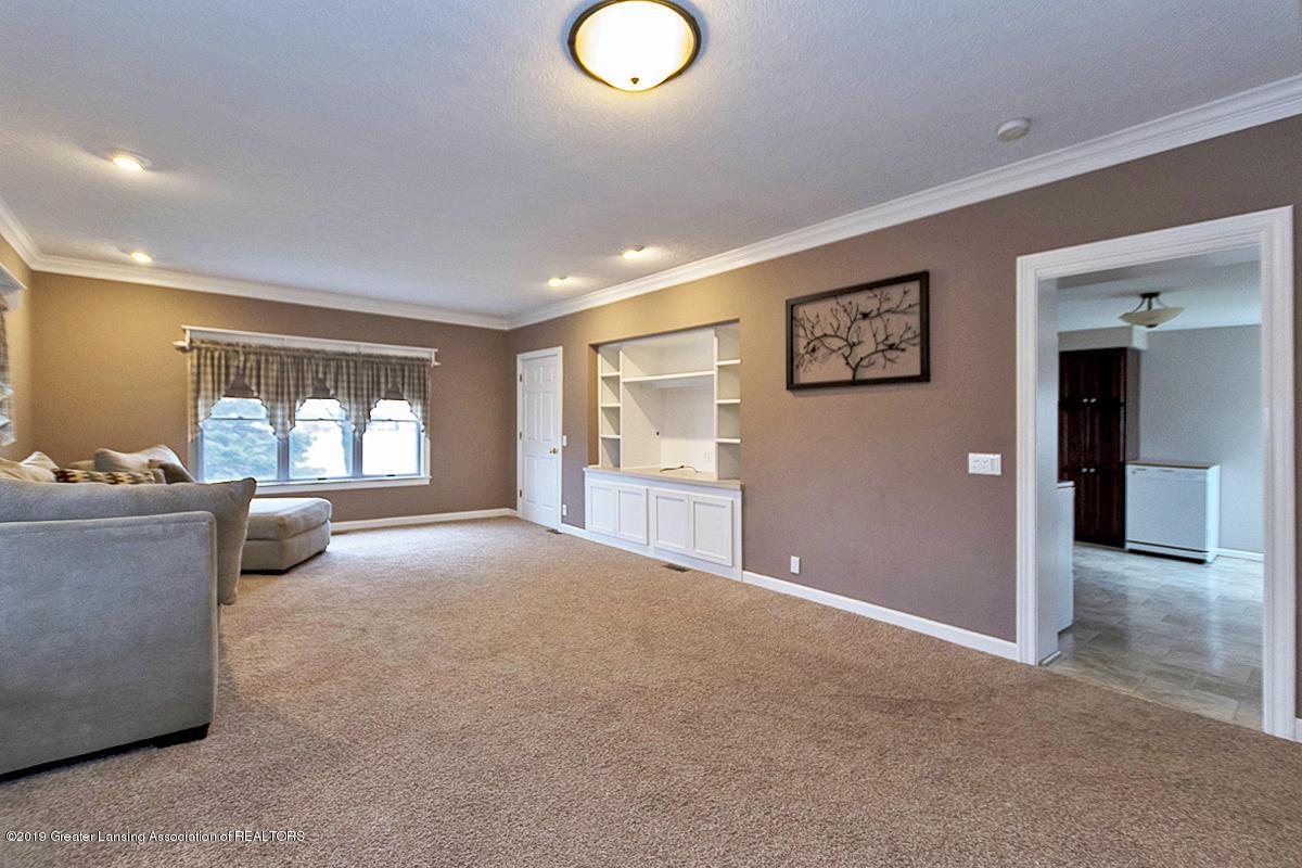 208 E St Joe Hwy - Living Room - 9