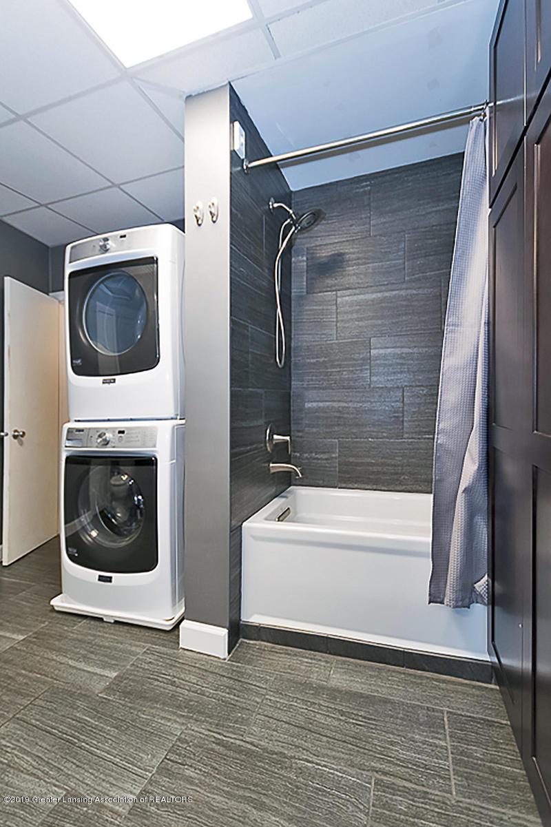 208 E St Joe Hwy - Updated Bath - 17