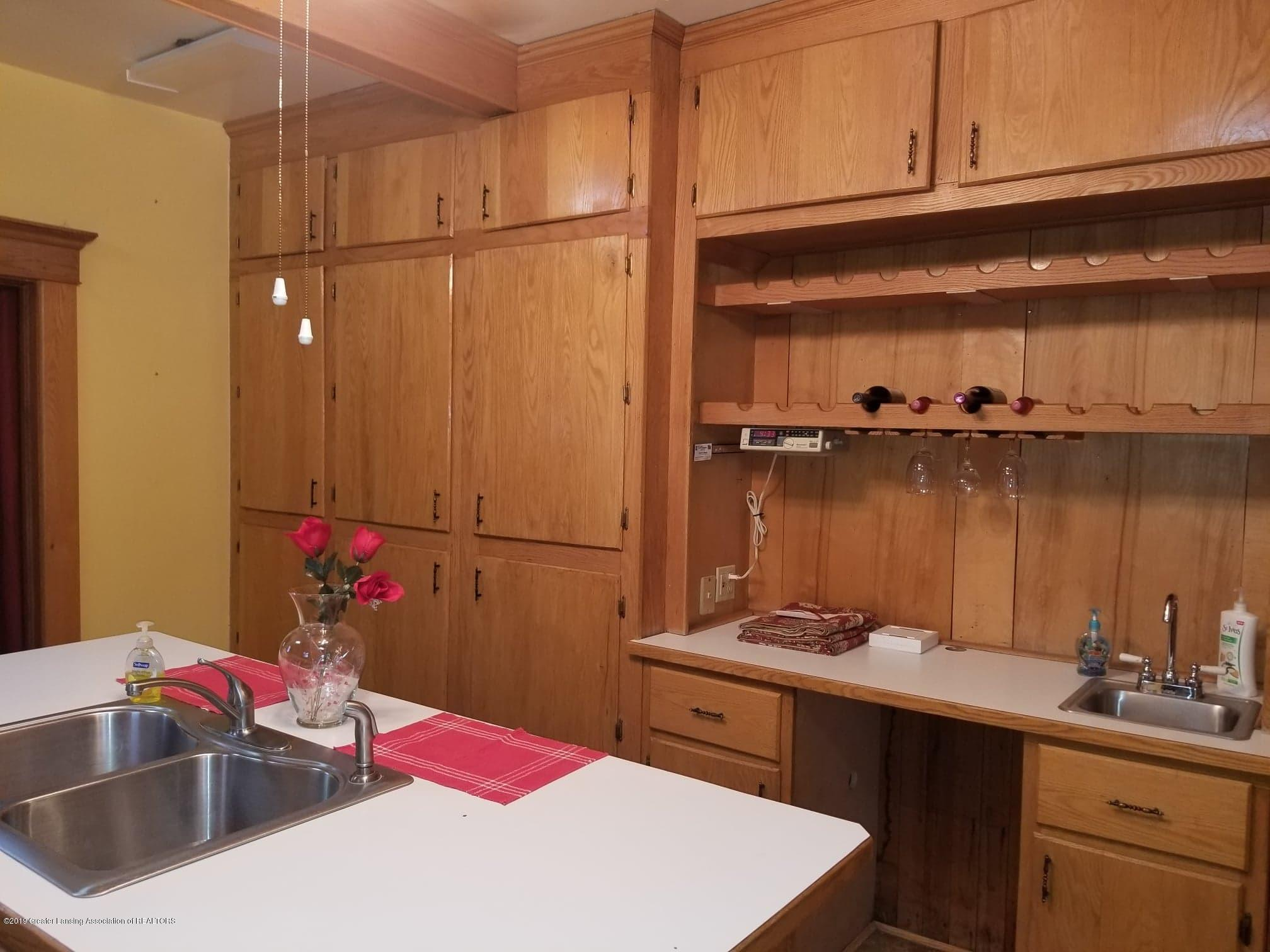 307 W Main St - Kitchen - 5