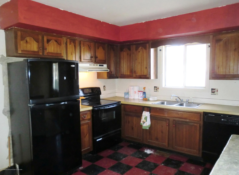 1301 W Barnes Ave - Kitchen - 3