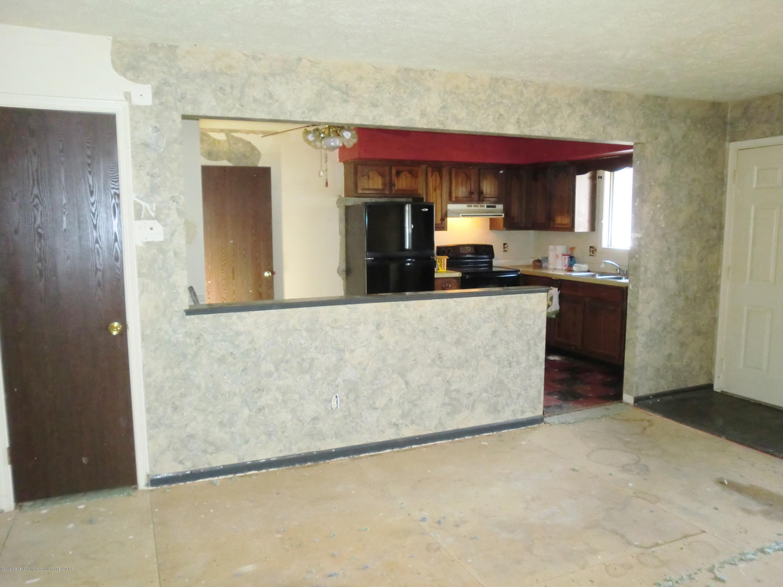 1301 W Barnes Ave - Living/Kitchen Area - 4