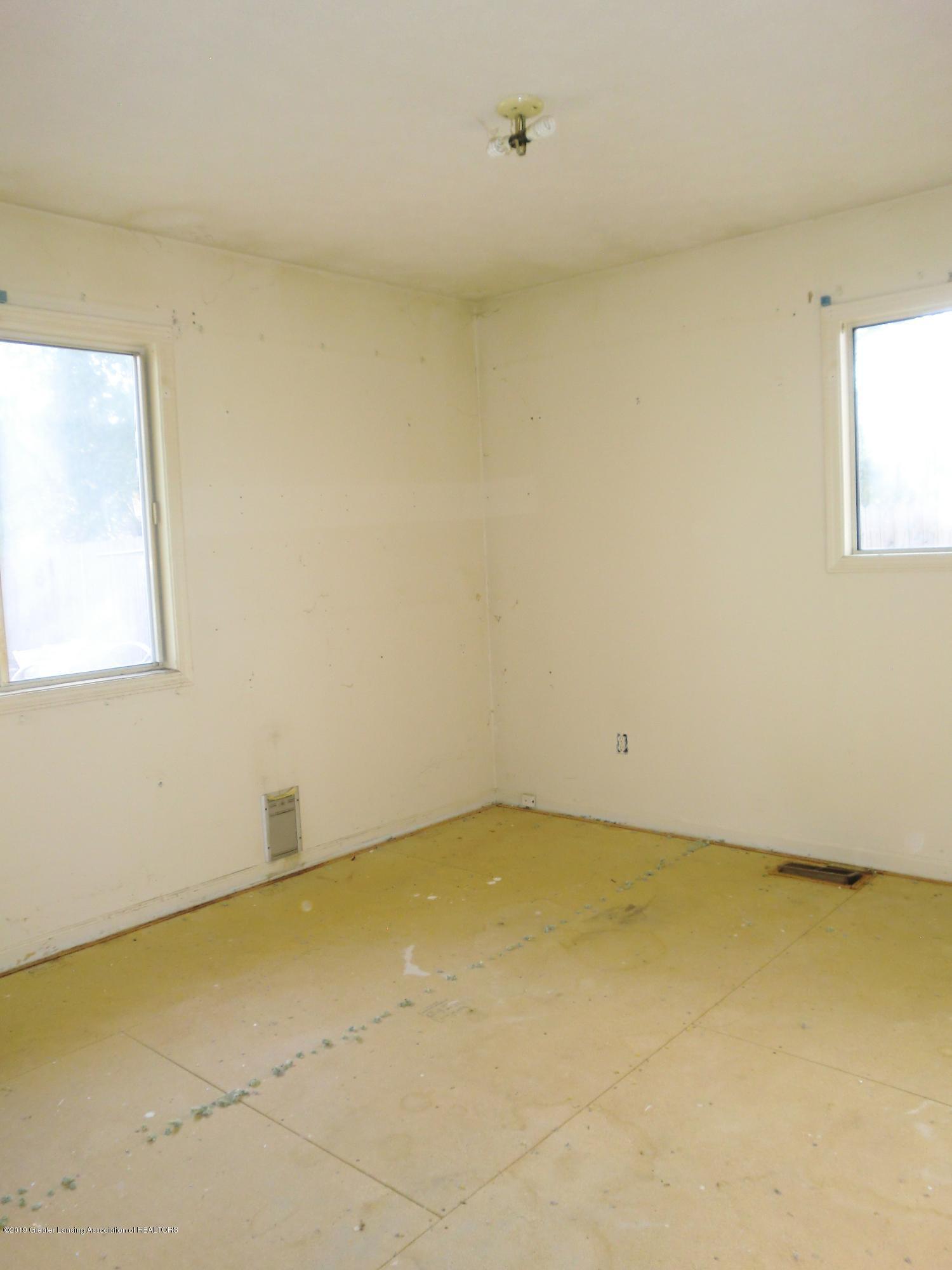1301 W Barnes Ave - Bedroom - 8