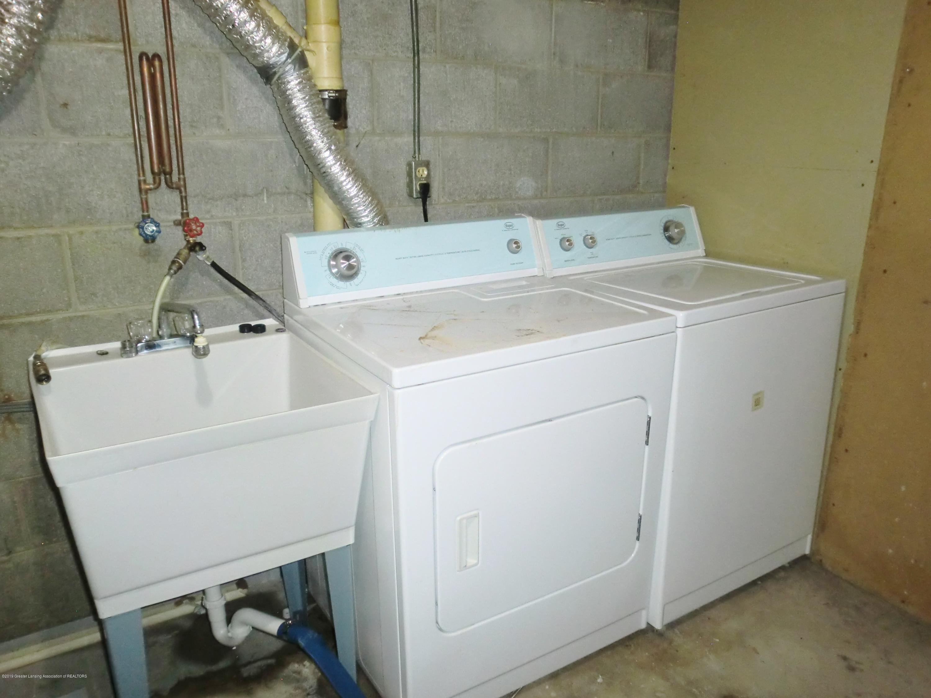 1301 W Barnes Ave - Washer/Dryer - 14