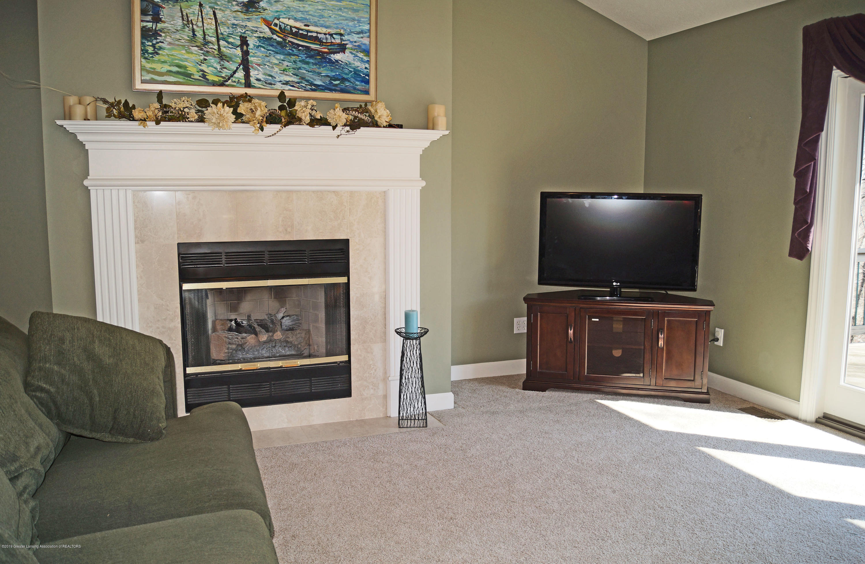 13217 Watercrest Dr - Gas Fireplace - 6