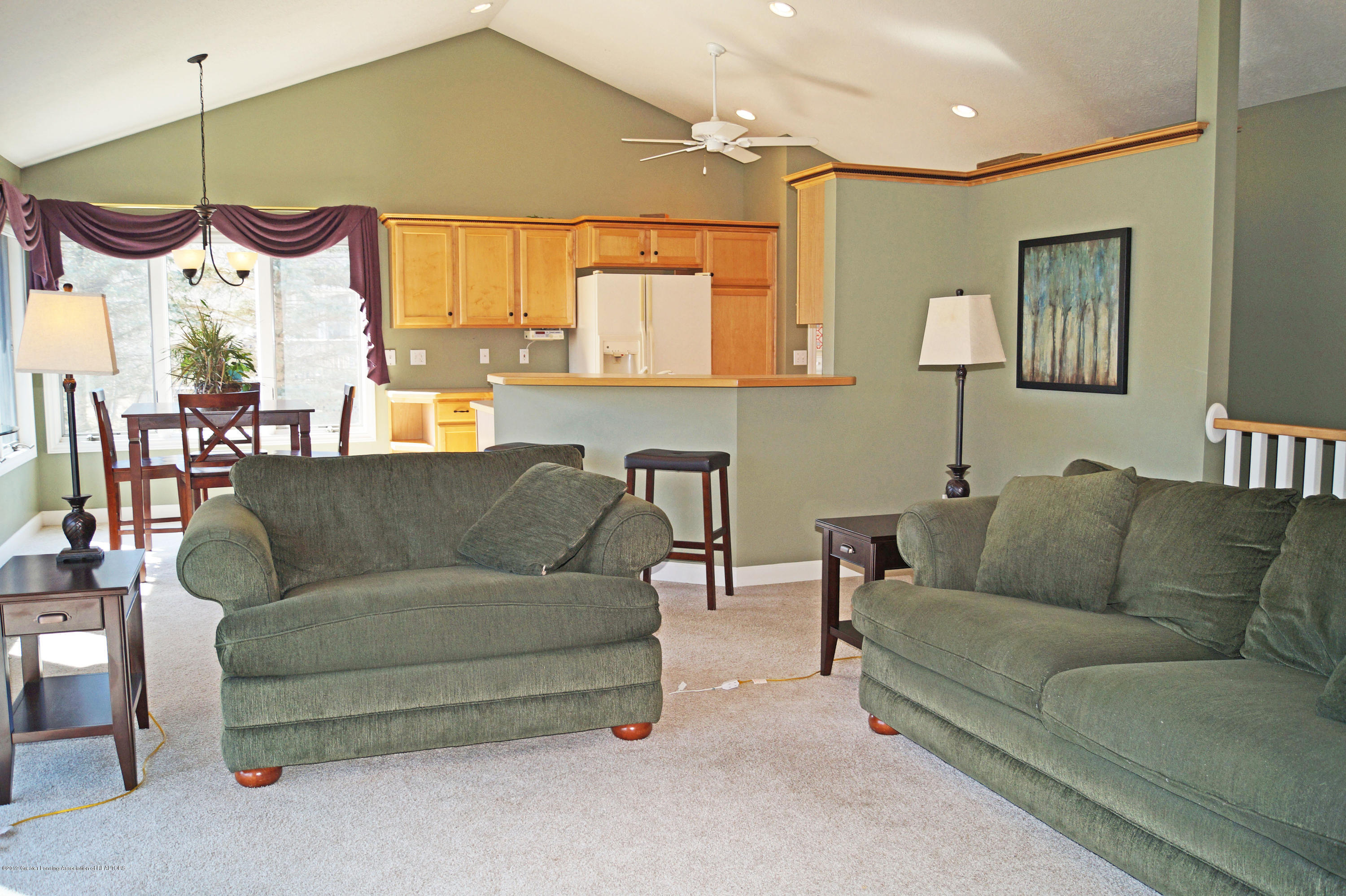 13217 Watercrest Dr - Great Room - 8