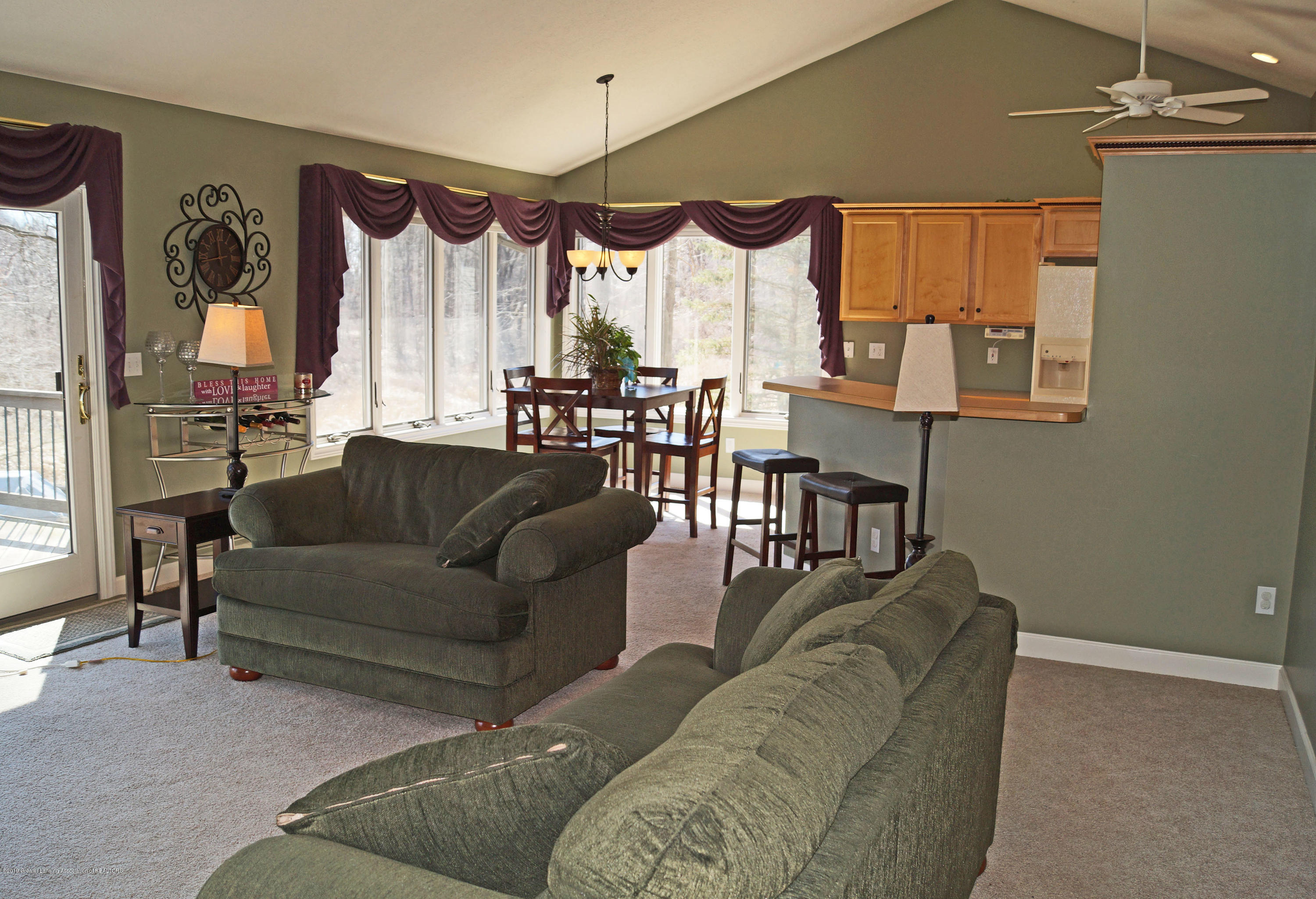 13217 Watercrest Dr - Great Room - 9