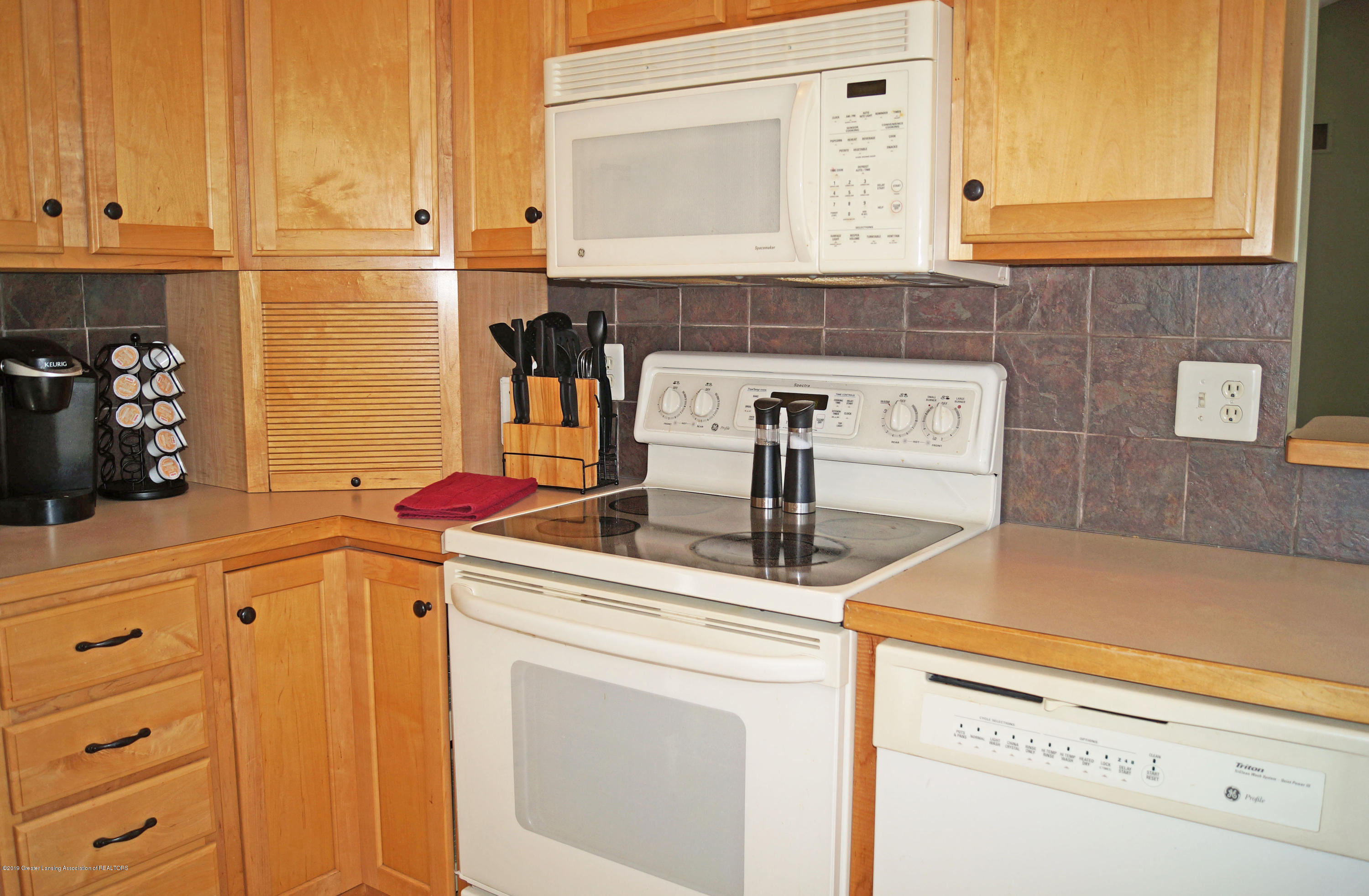 13217 Watercrest Dr - Kitchen - 13