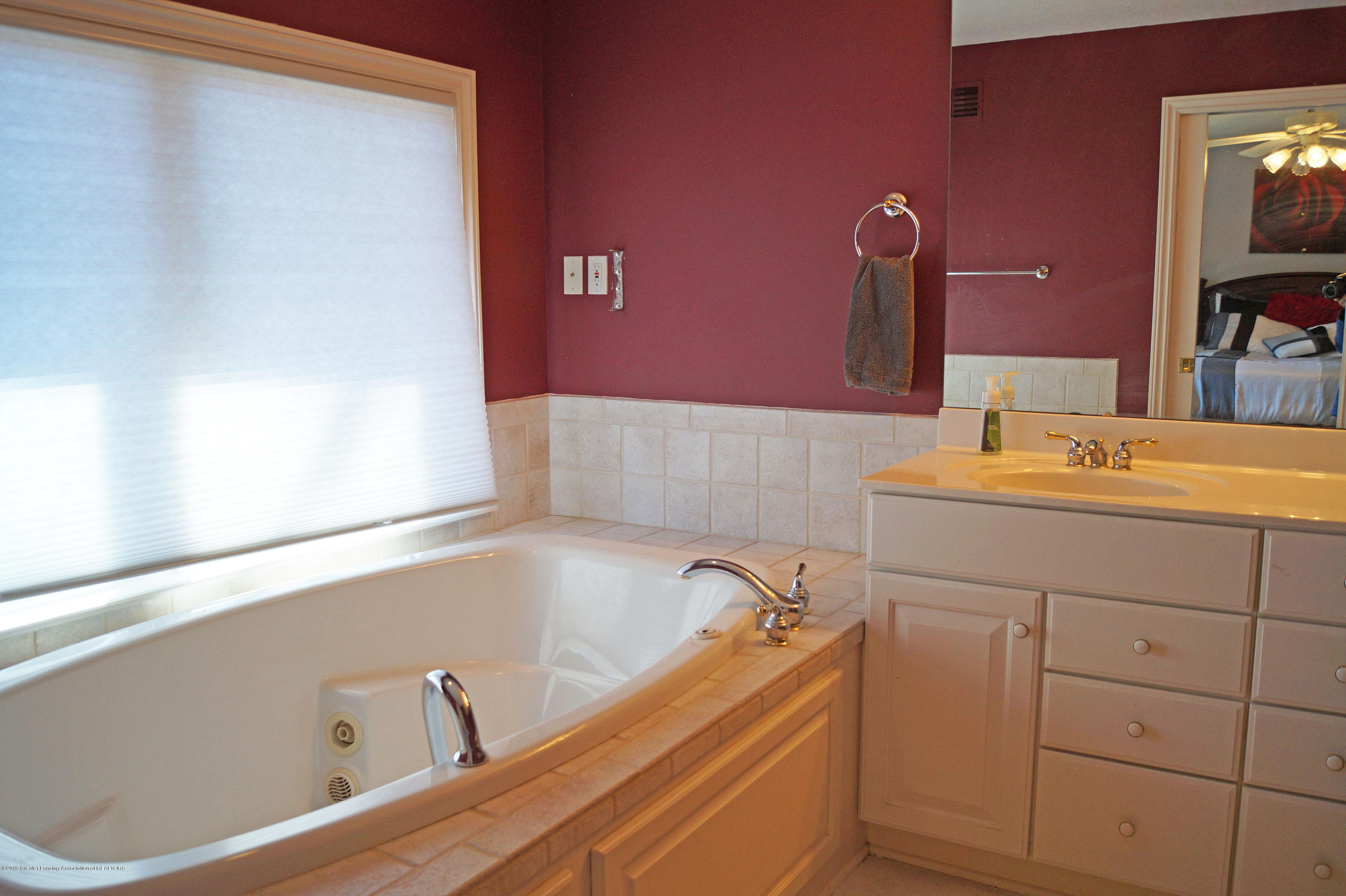 13217 Watercrest Dr - Master Bath - 19
