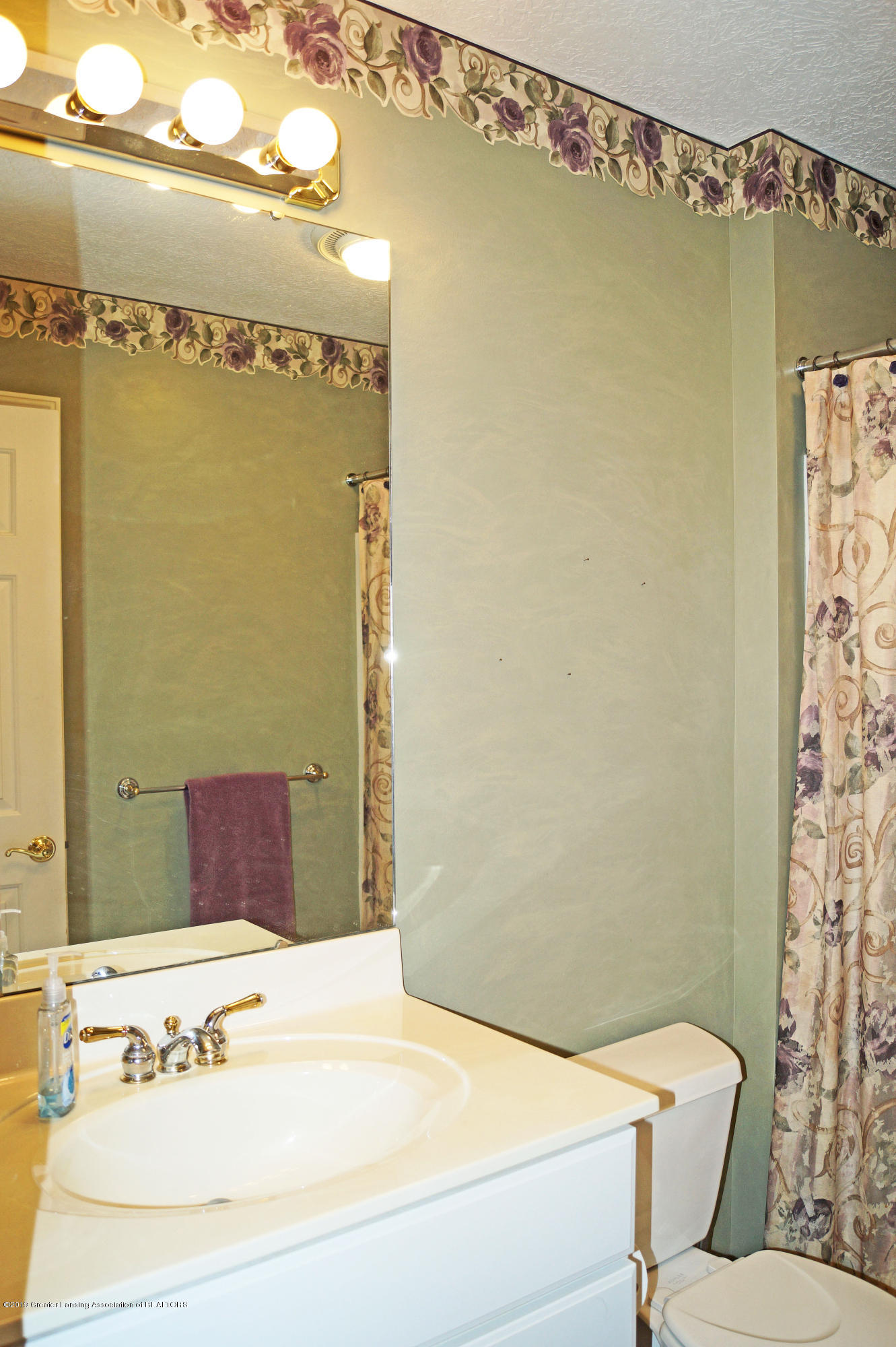 13217 Watercrest Dr - Main Bath - 23