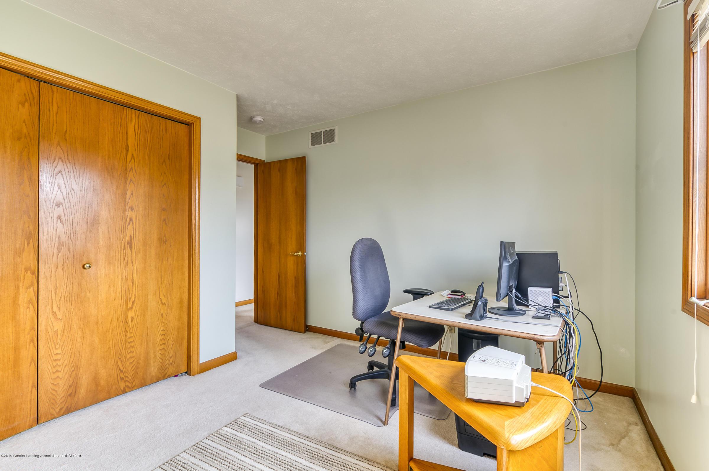 1700 Killarney Dr - Bedroom - 17