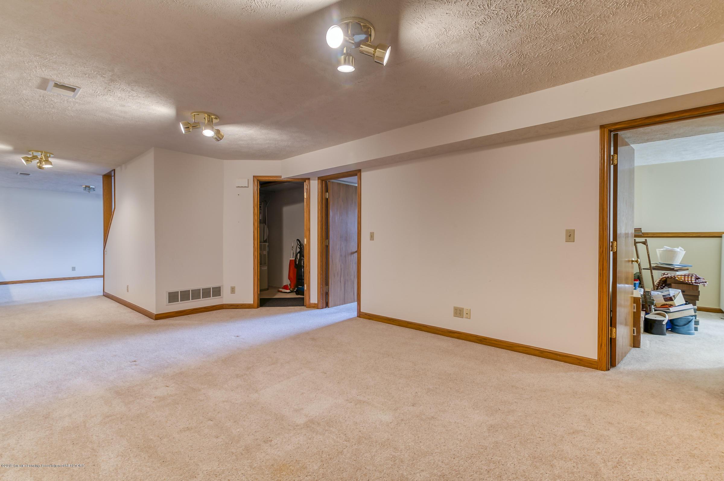 1700 Killarney Dr - Rec Room - 28