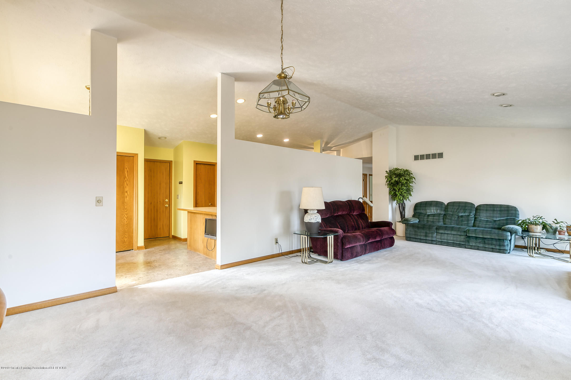 1700 Killarney Dr - Living Room - 3