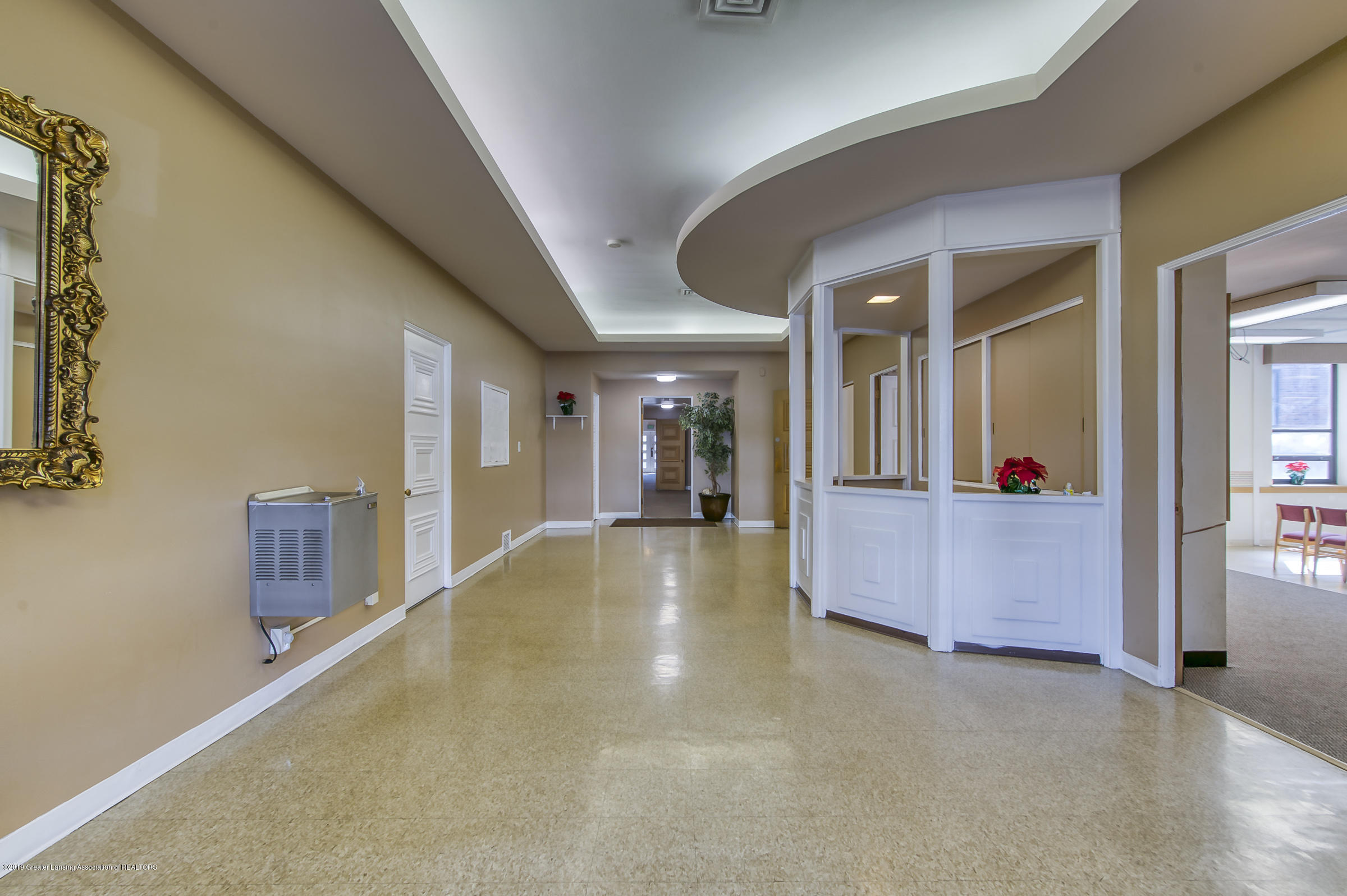 505 Seymour Ave - Corridor - 8