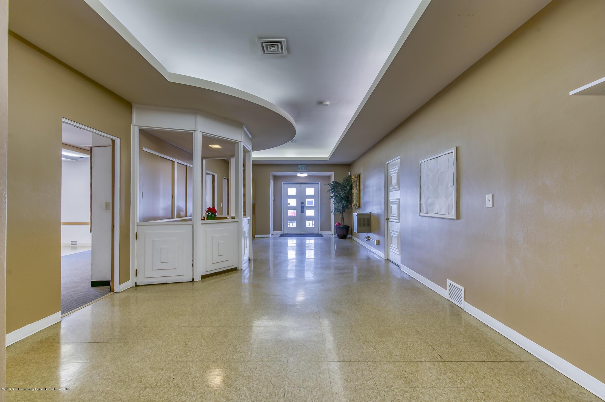 505 Seymour Ave - Corridor - 7