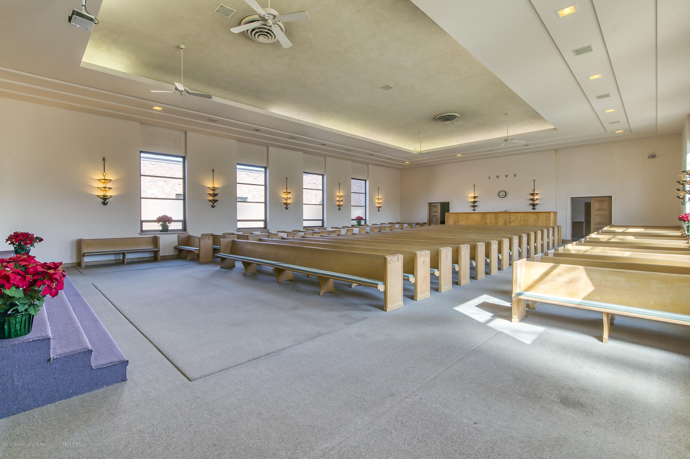 505 Seymour Ave - Sanctuary - 11