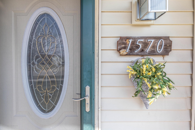 1570 Jacqueline Dr - Front Door - 9