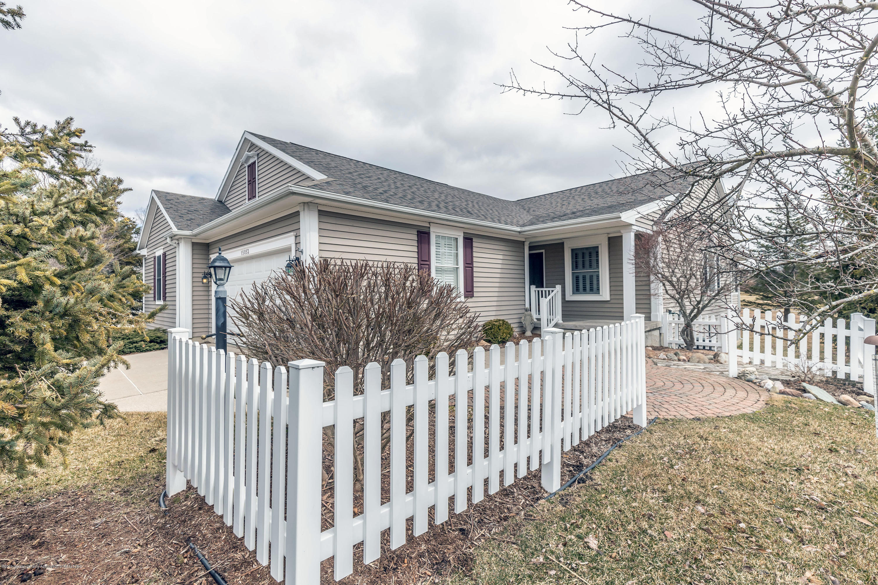 15053 Classic Dr - MLS front 2 - 34