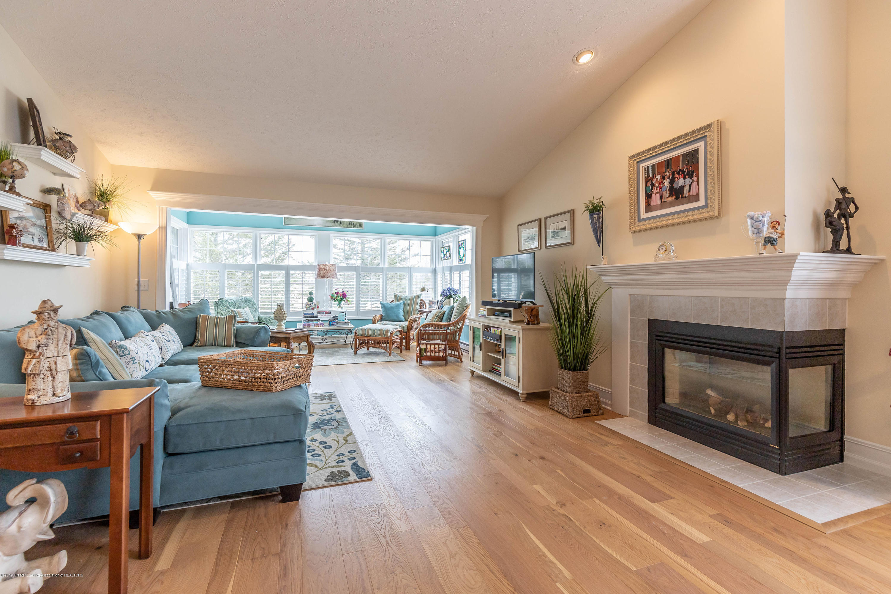 15053 Classic Dr - MLS living dining 1 - 10