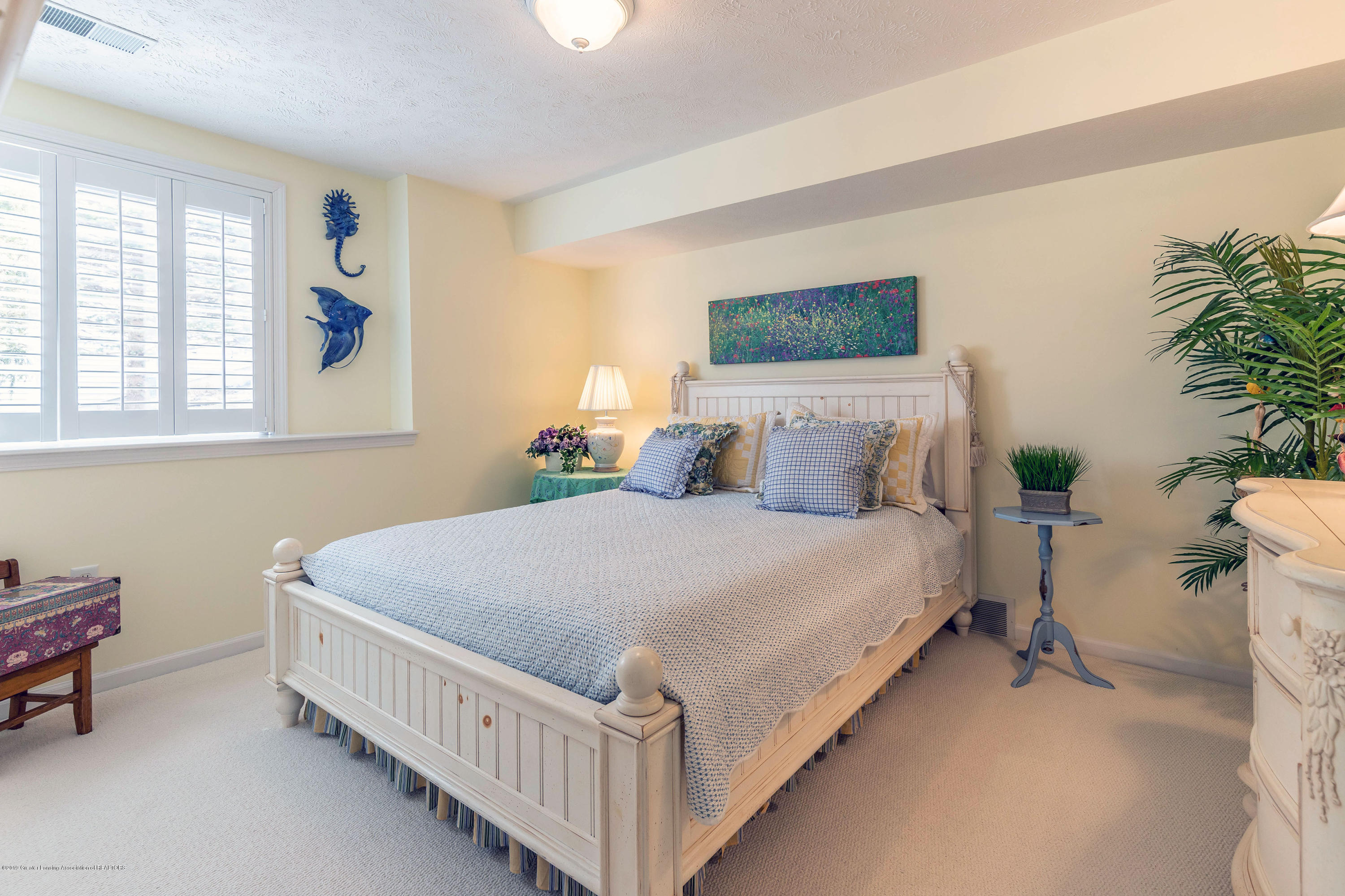 15053 Classic Dr - MLS lower bed - 19