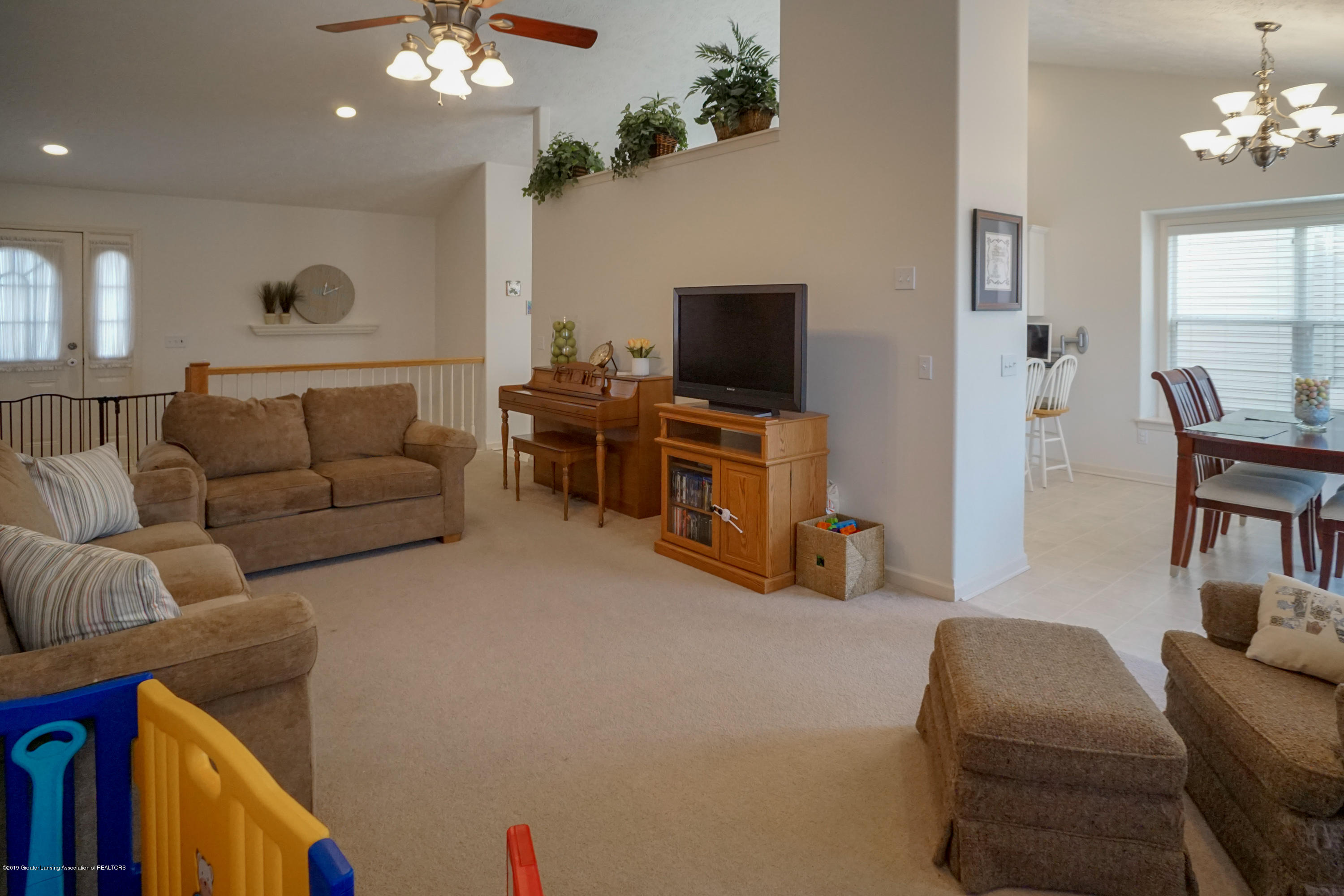 2039 Wovenheart Dr - Great Room - 6