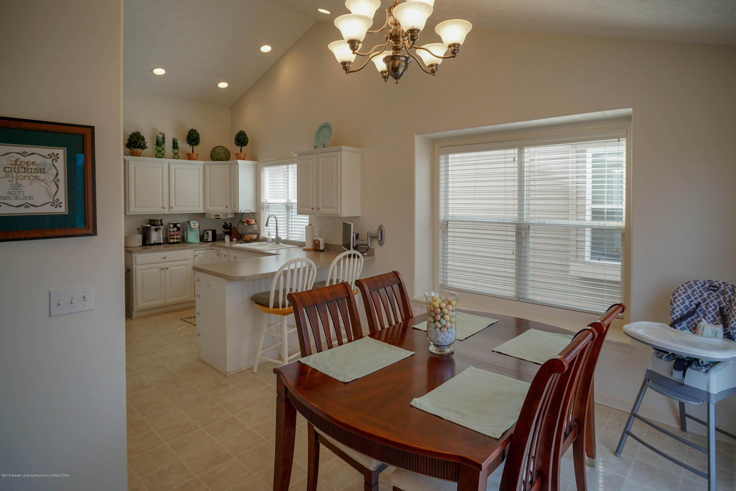 2039 Wovenheart Dr - Eating Area/Kitchen - 10