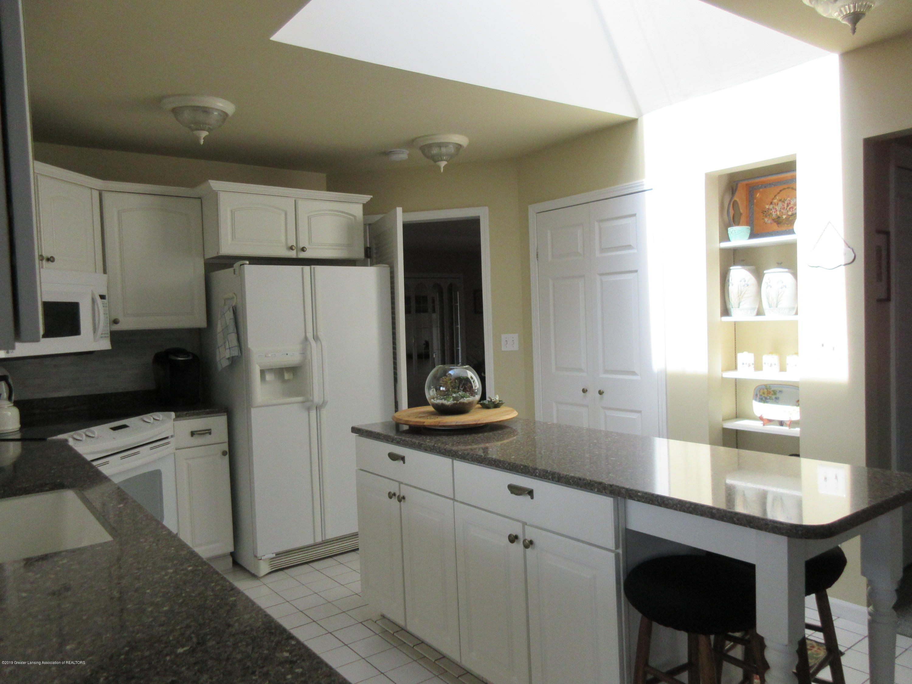 2080 Haslett Rd - kitchen 2 with pantry - 8