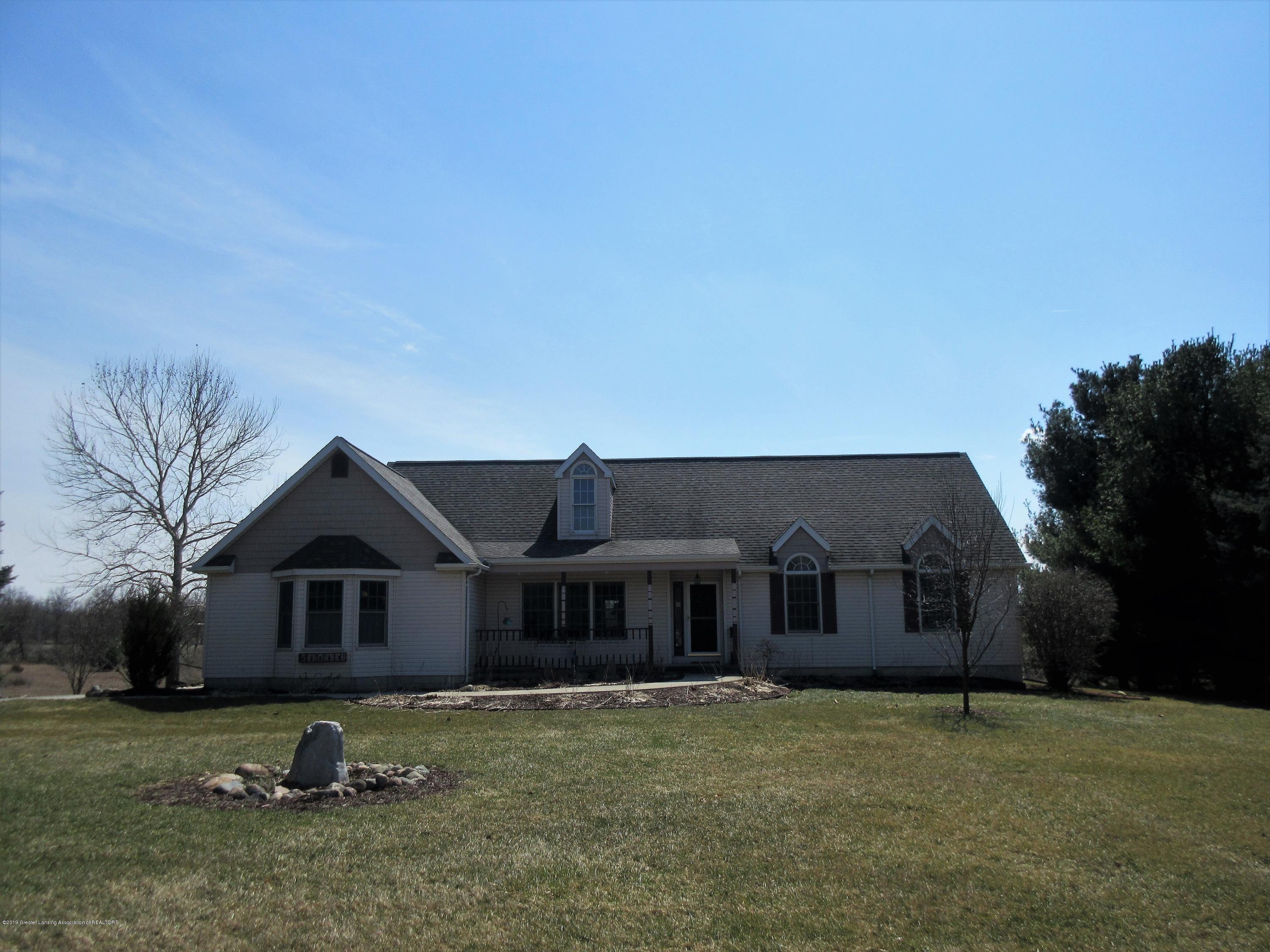 2080 Haslett Rd - frontofhome - 2