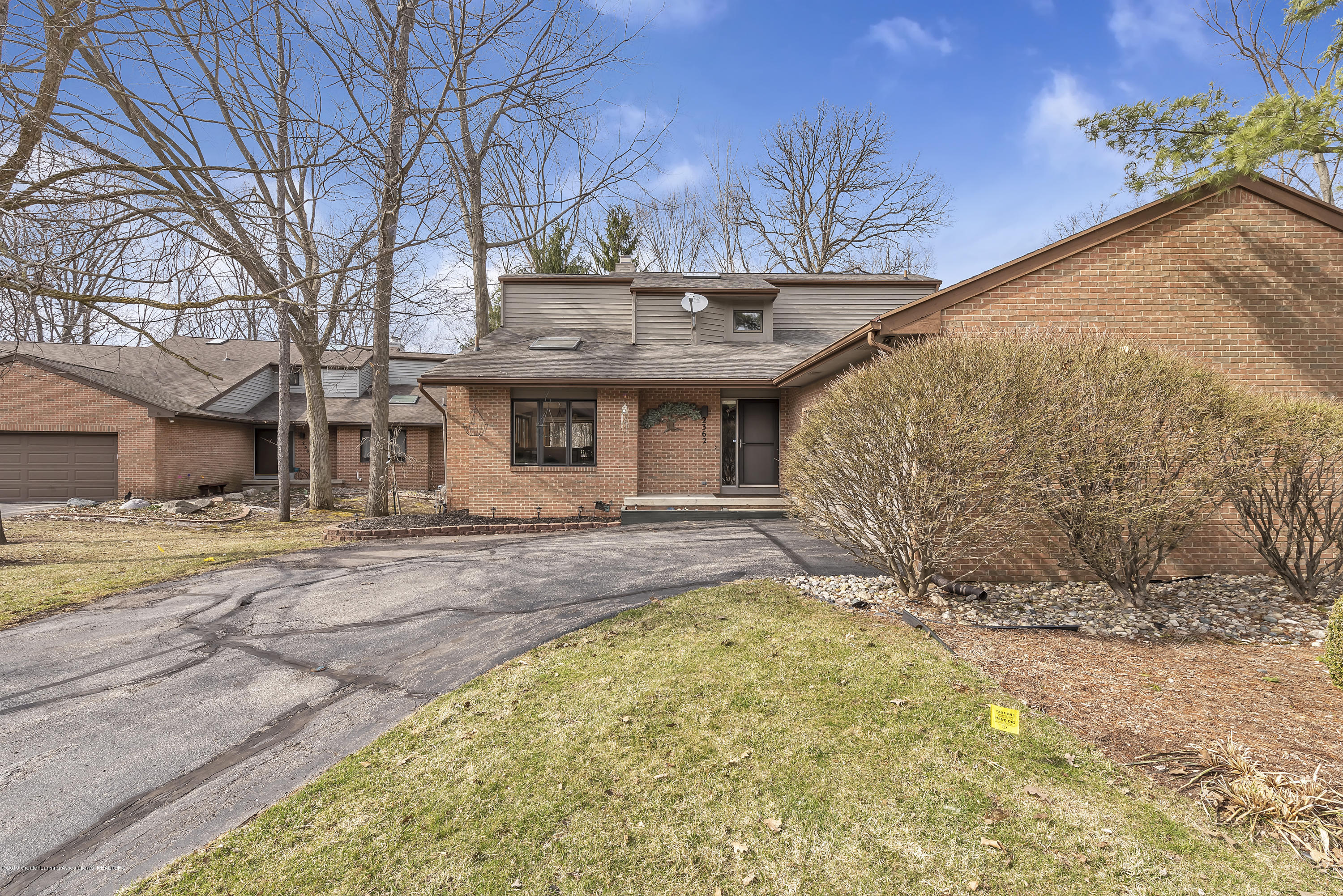 2362 Emerald Forest Cir - 2362-Emerald-Forest-Circle-East-Lansing- - 3