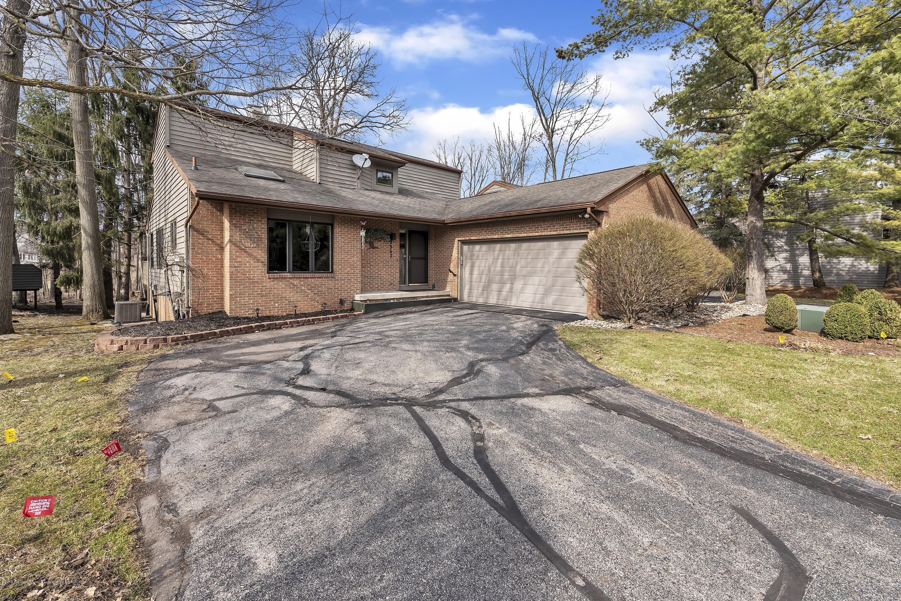 2362 Emerald Forest Cir - 2362-Emerald-Forest-Circle-East-Lansing- - 4