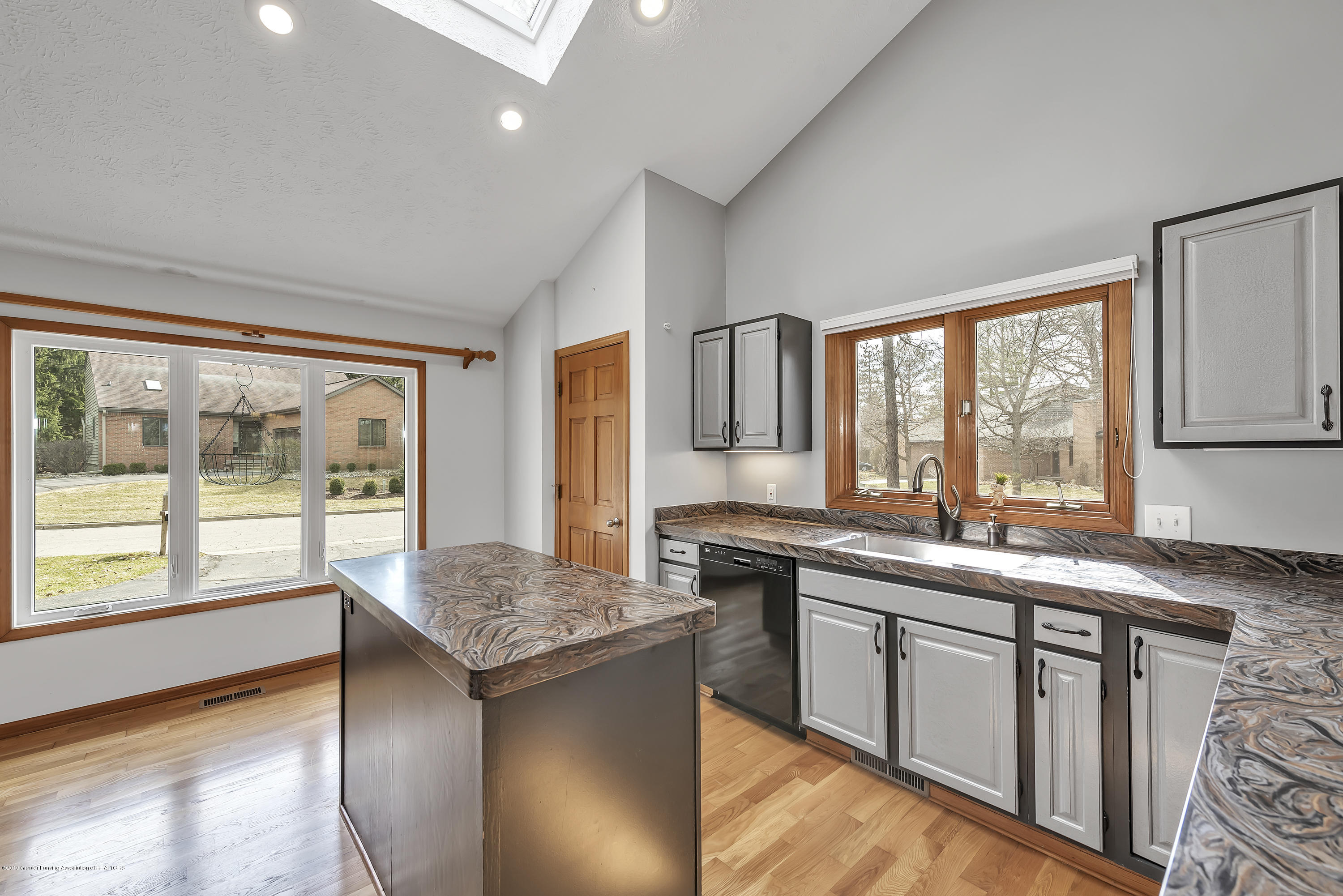 2362 Emerald Forest Cir - 2362-Emerald-Forest-Circle-East-Lansing- - 21