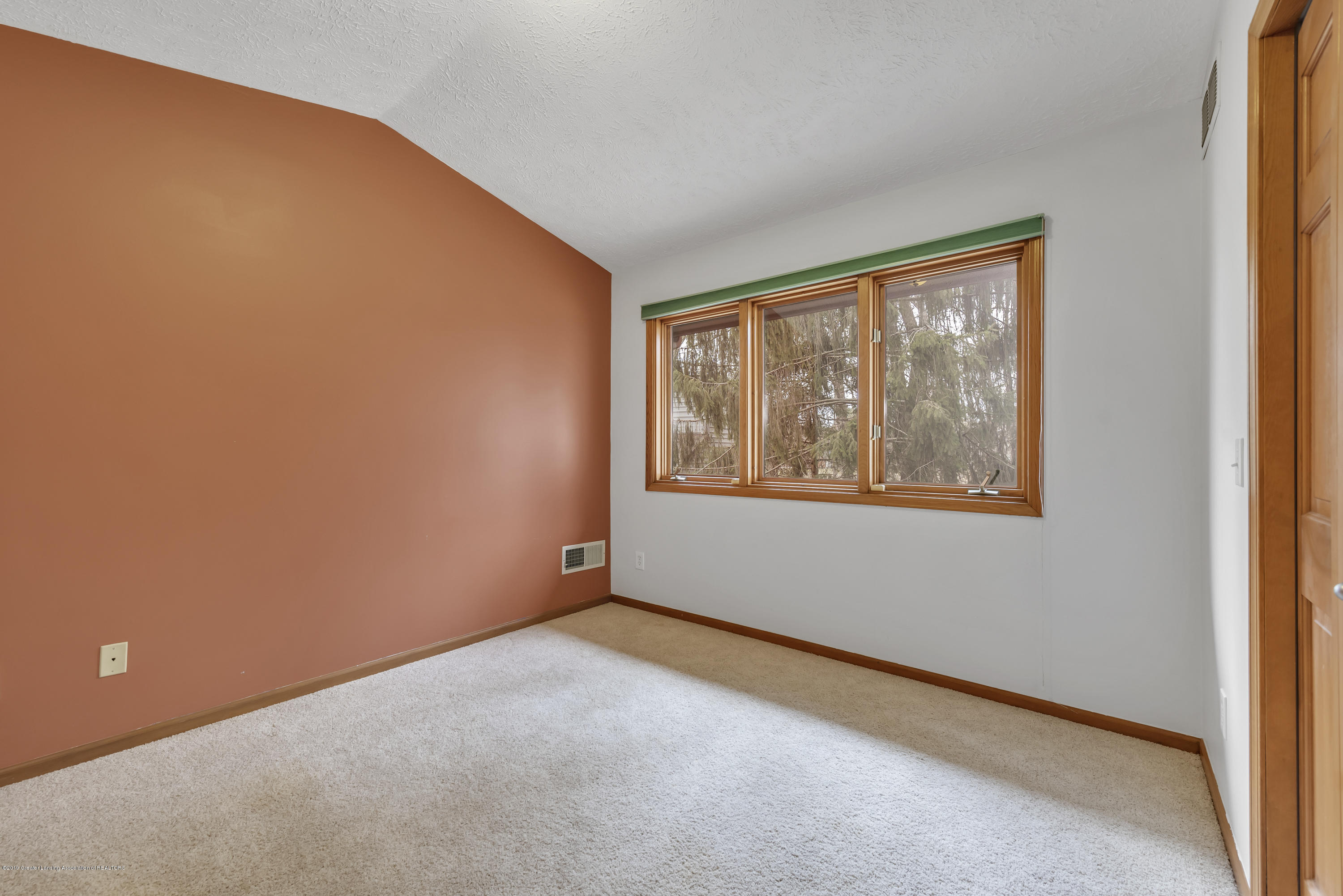 2362 Emerald Forest Cir - 2362-Emerald-Forest-Circle-East-Lansing- - 30