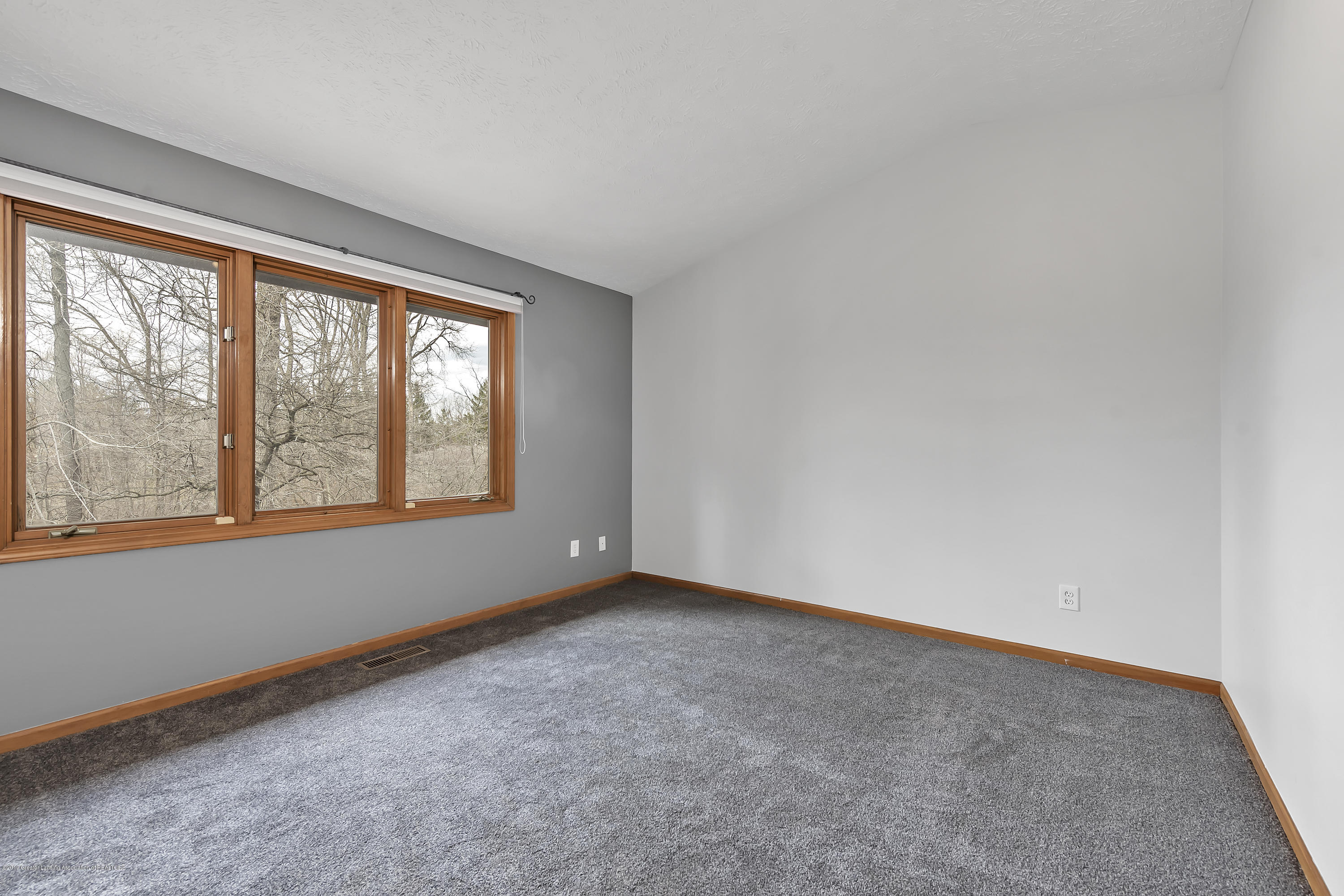 2362 Emerald Forest Cir - 2362-Emerald-Forest-Circle-East-Lansing- - 32