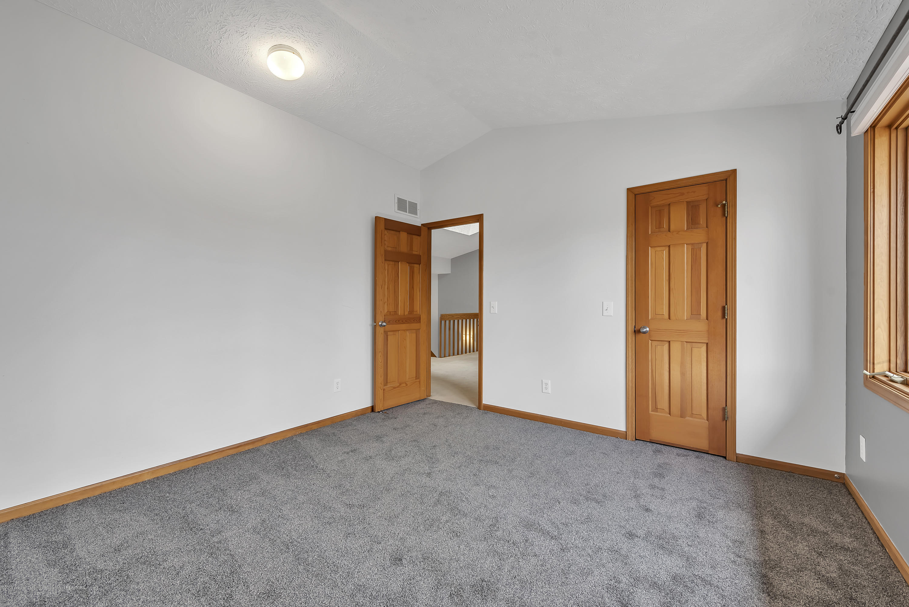 2362 Emerald Forest Cir - 2362-Emerald-Forest-Circle-East-Lansing- - 33